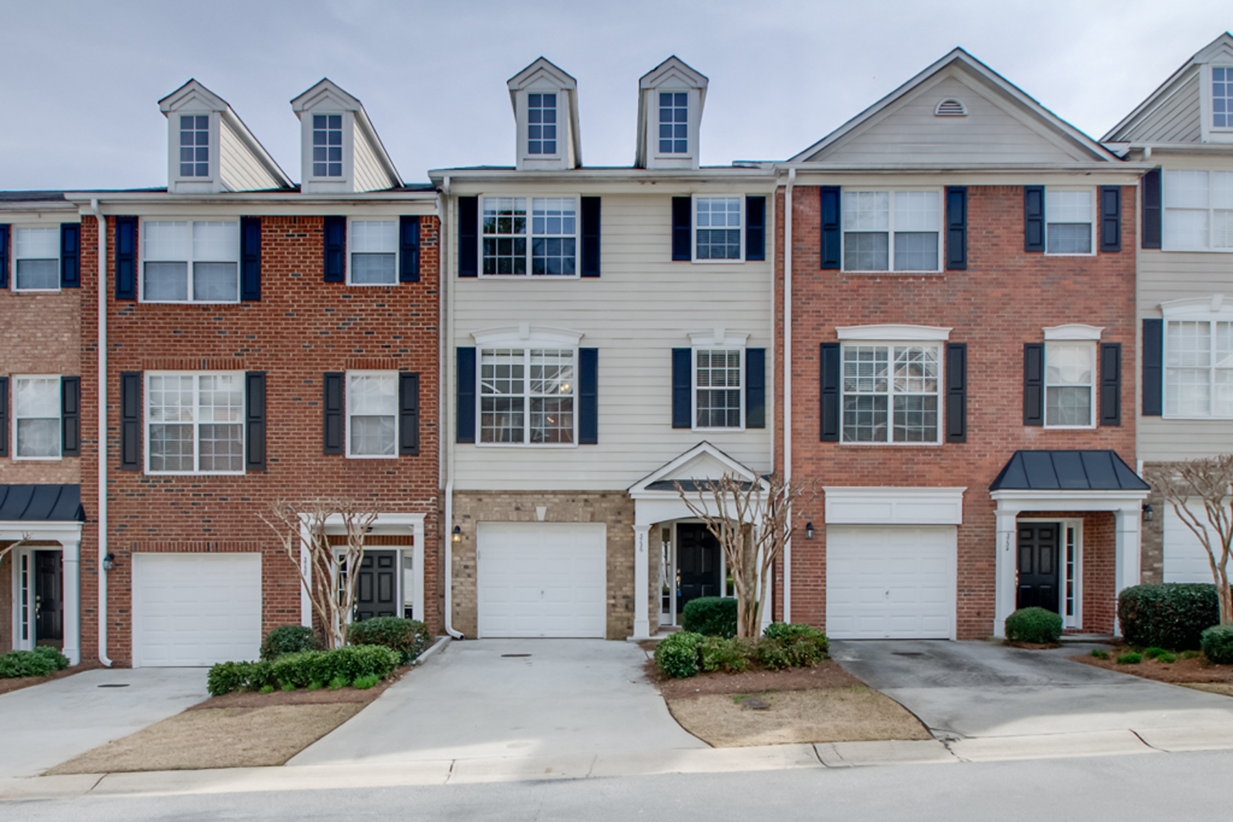 Townhouse for Sale at Inviting Three Level Townhome 3736 Chattahoochee Summit Drive SE Atlanta, Georgia, 30339 United States