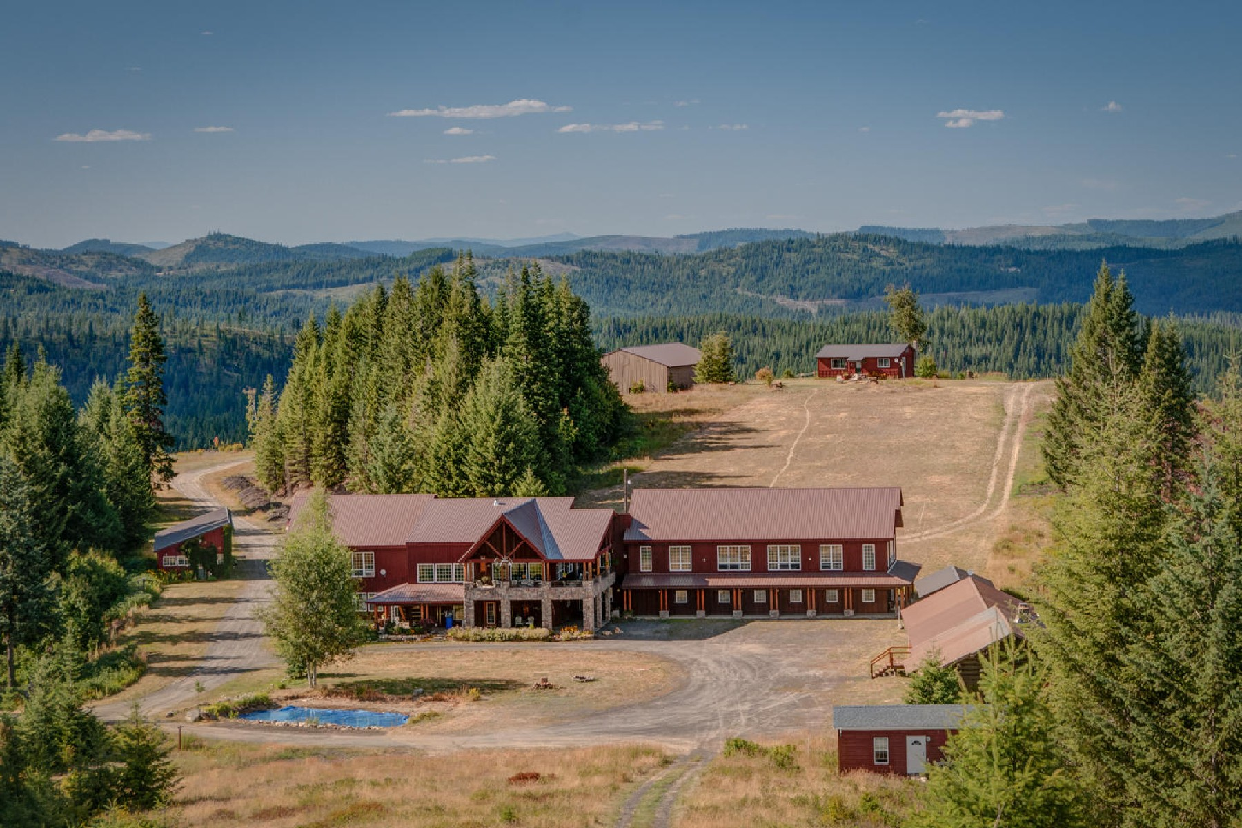 Maison unifamiliale pour l Vente à Palouse Divide Lodge 176 Palouse Divide Road St. Maries, Idaho, 83861 États-Unis