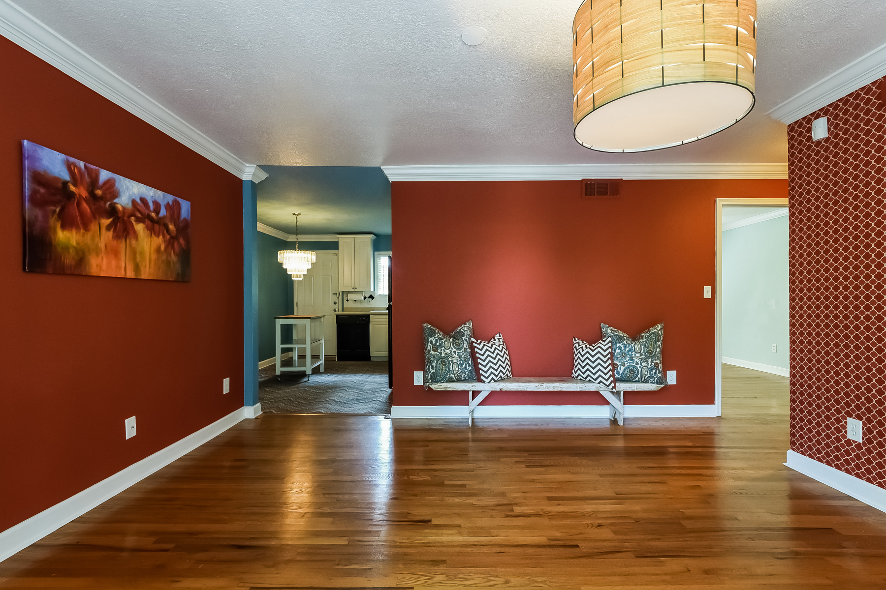 Additional photo for property listing at Charming Highland Hall Condo 869 Briarcliff Road NE Unit B16 Atlanta, Джорджия 30306 Соединенные Штаты