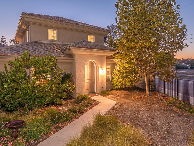 Moradia para Venda às Villas at Montecito 9410 Casa Bella Court Atascadero, Califórnia 93422 Estados Unidos