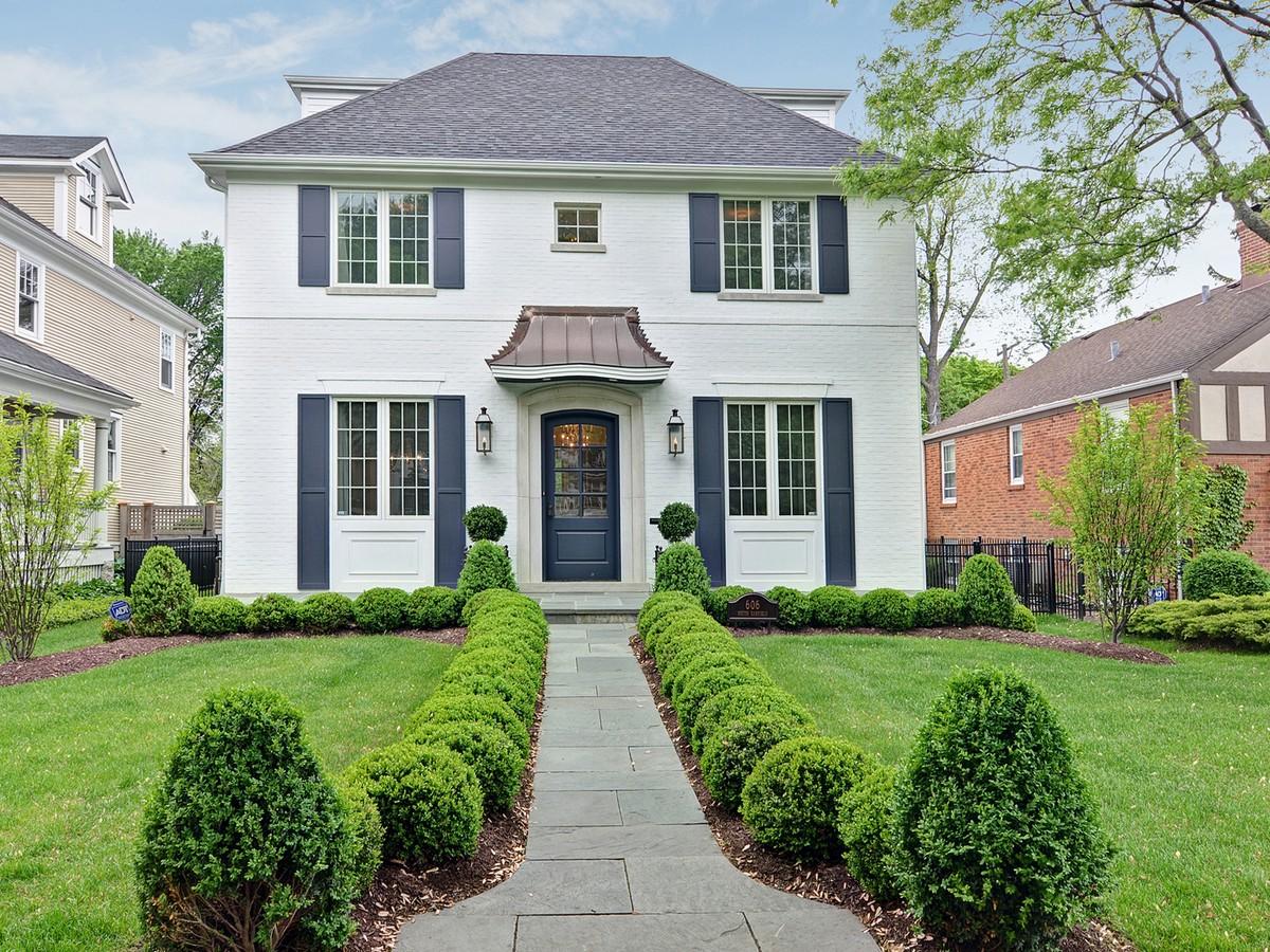 Einfamilienhaus für Verkauf beim 606 S. Garfield Hinsdale, Illinois 60521 Vereinigte Staaten