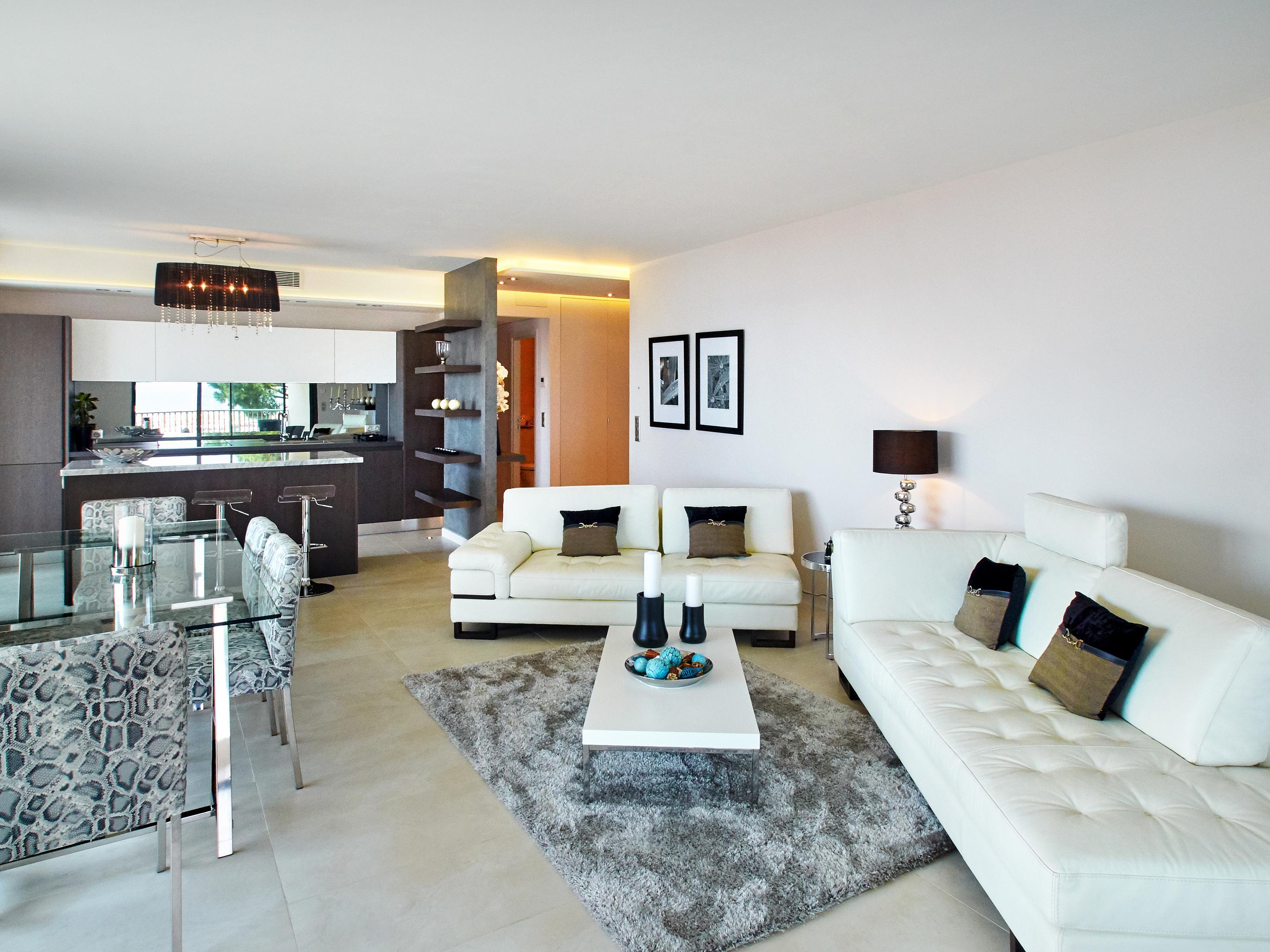 Apartman Dairesi için Satış at Le clos des Calèches Cannes, Provence-Alpes-Cote D'Azur 06400 Fransa