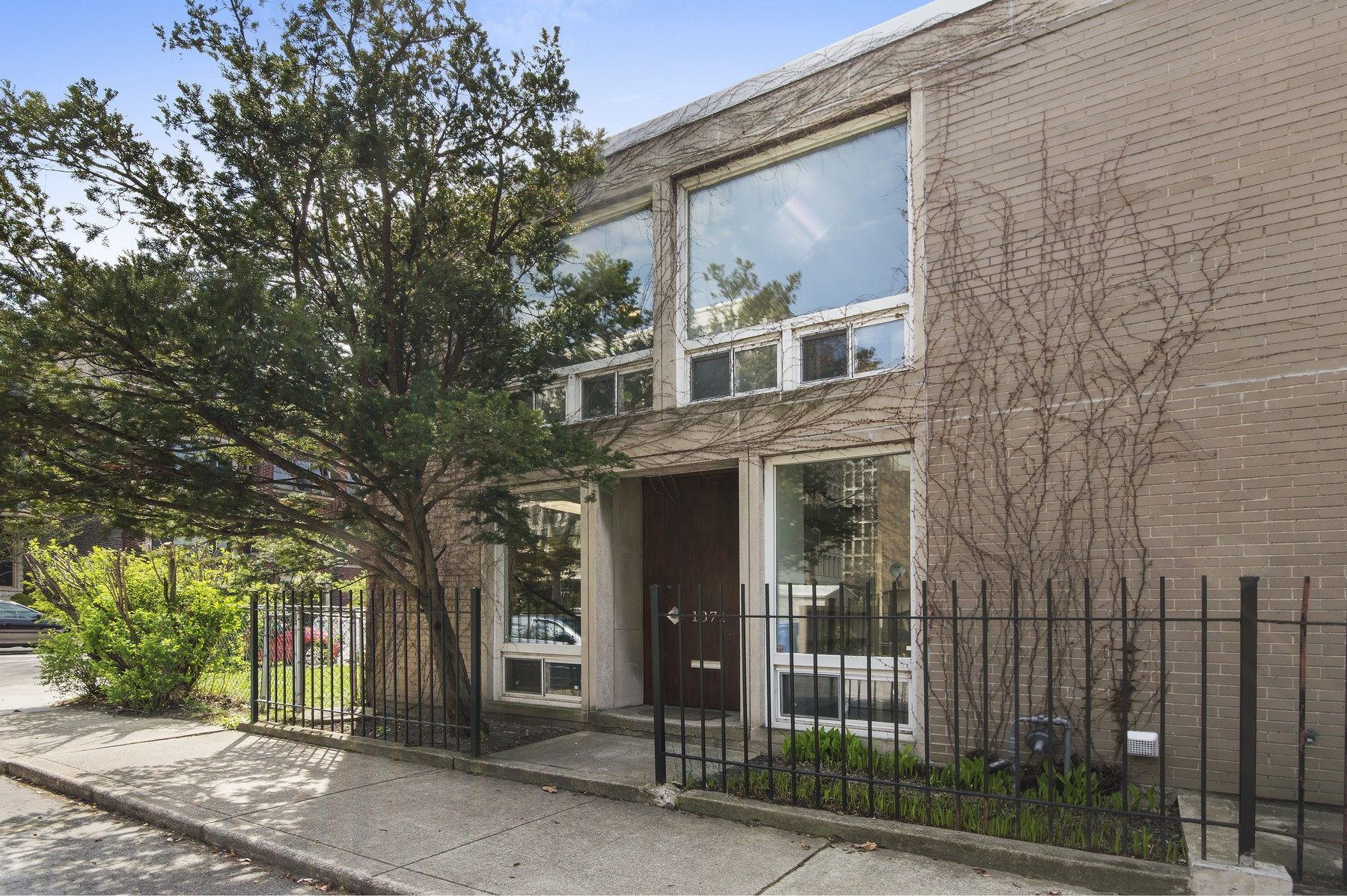 sales property at Coveted Townhouse in Hyde Park