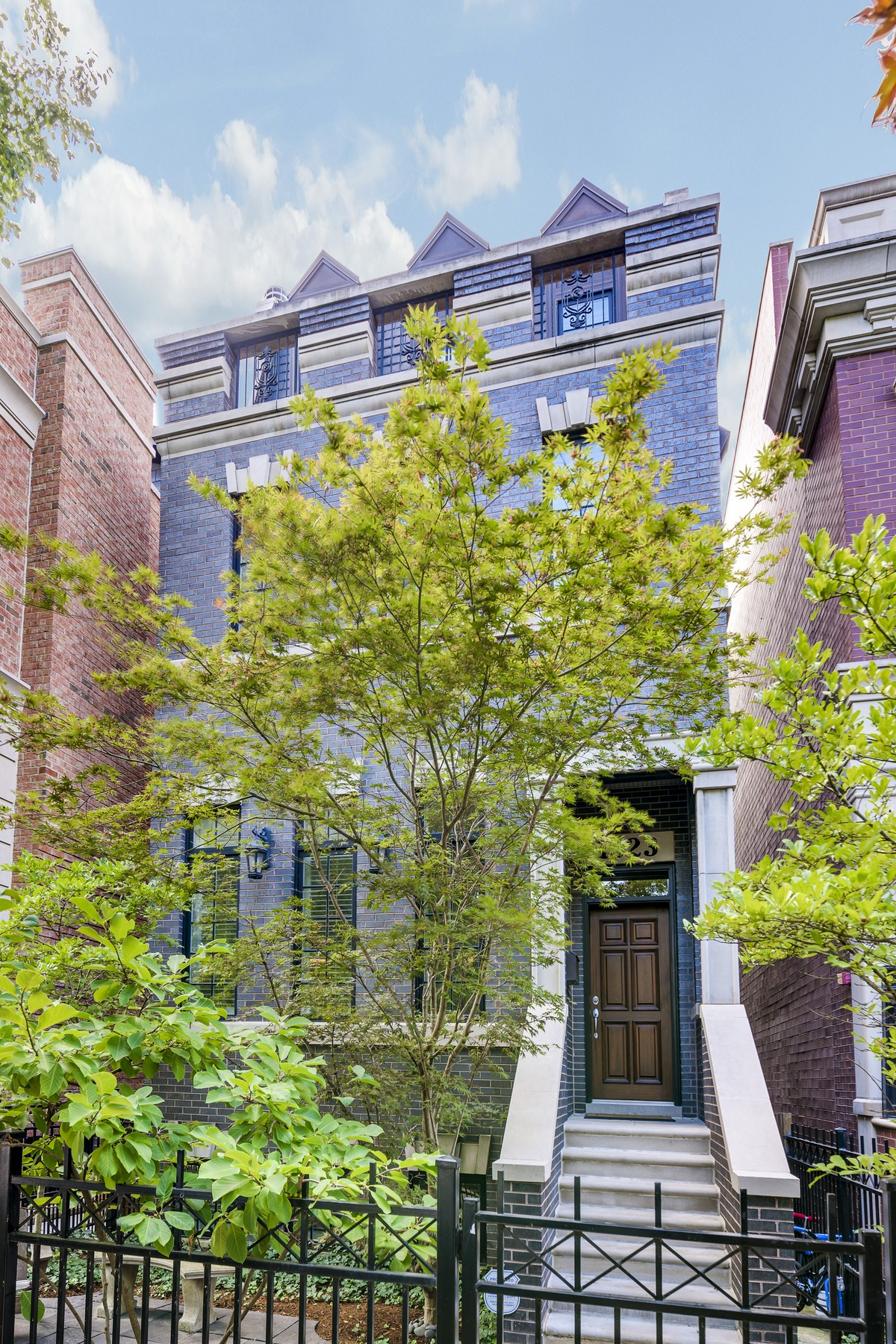 Single Family Home for Sale at Amazing Lakeview Home 1323 W Melrose Street Lakeview, Chicago, Illinois, 60657 United States