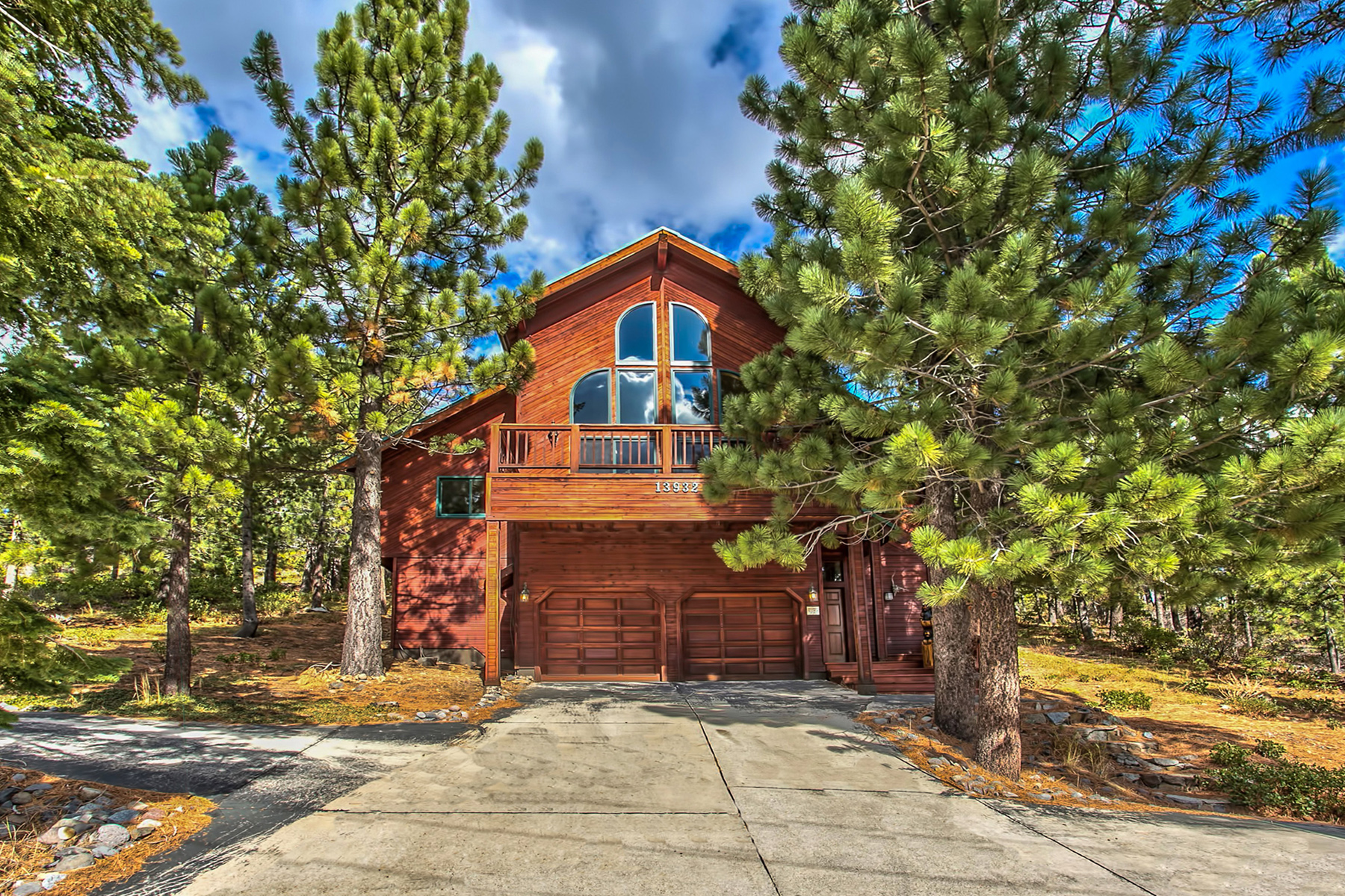 Single Family Home for Active at 13932 Alder Creek Road Truckee, California 96161 United States