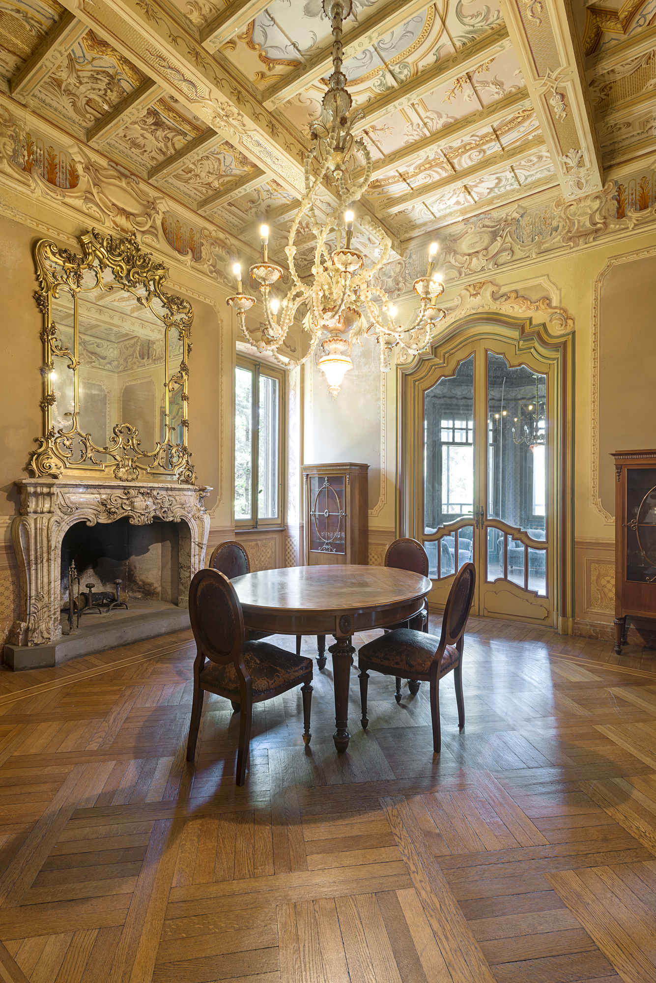 Additional photo for property listing at Beautiful Art Nouveau villa viale 1° Maggio Salsomaggiore Terme, Parma 43125 Italia
