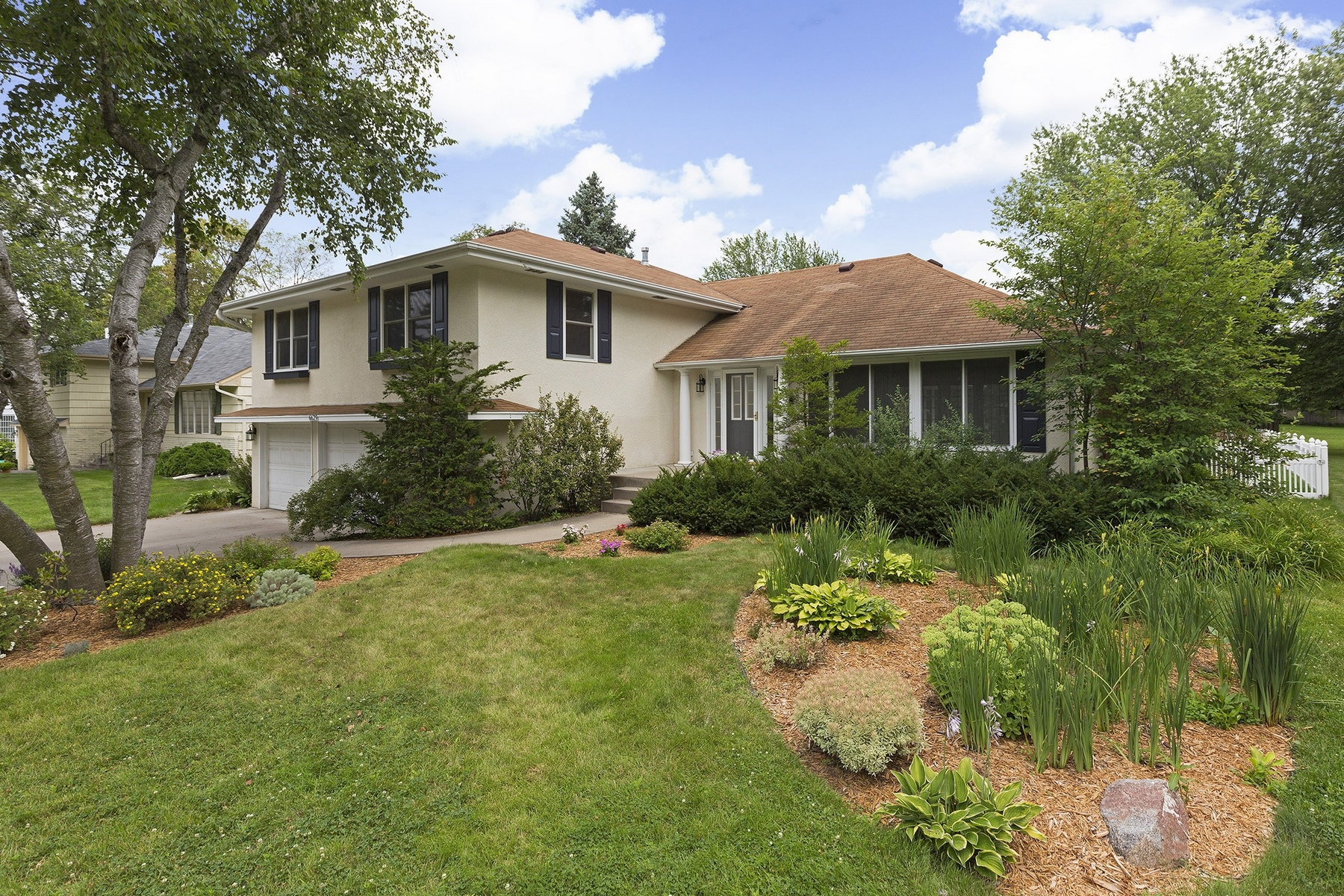 Single Family Home for Sale at 6629 Brittany Road Edina, Minnesota 55435 United States