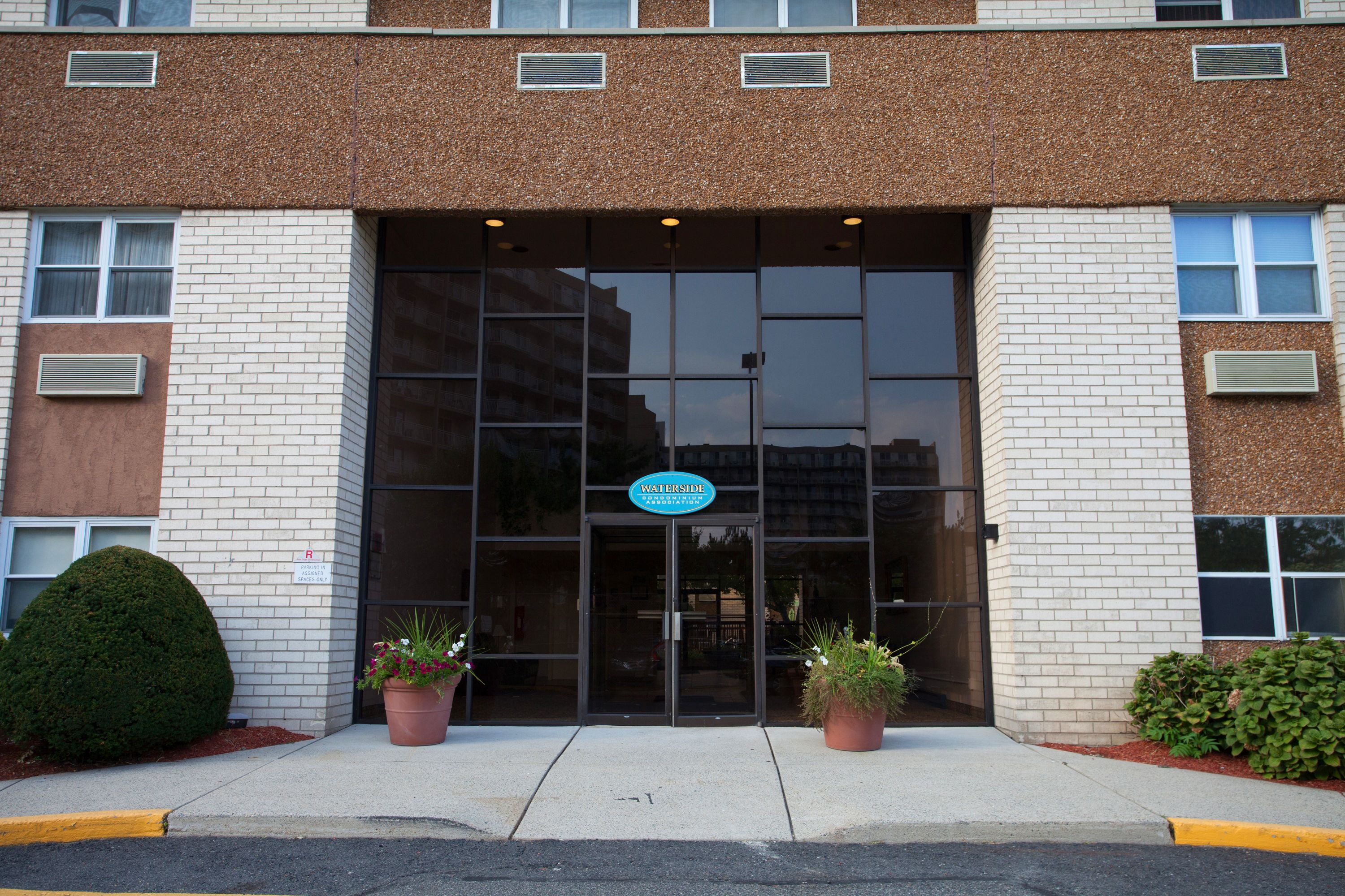Condominium for Rent at Great Edgewater Location 1111 River Rd H15 Edgewater, 07020 United States