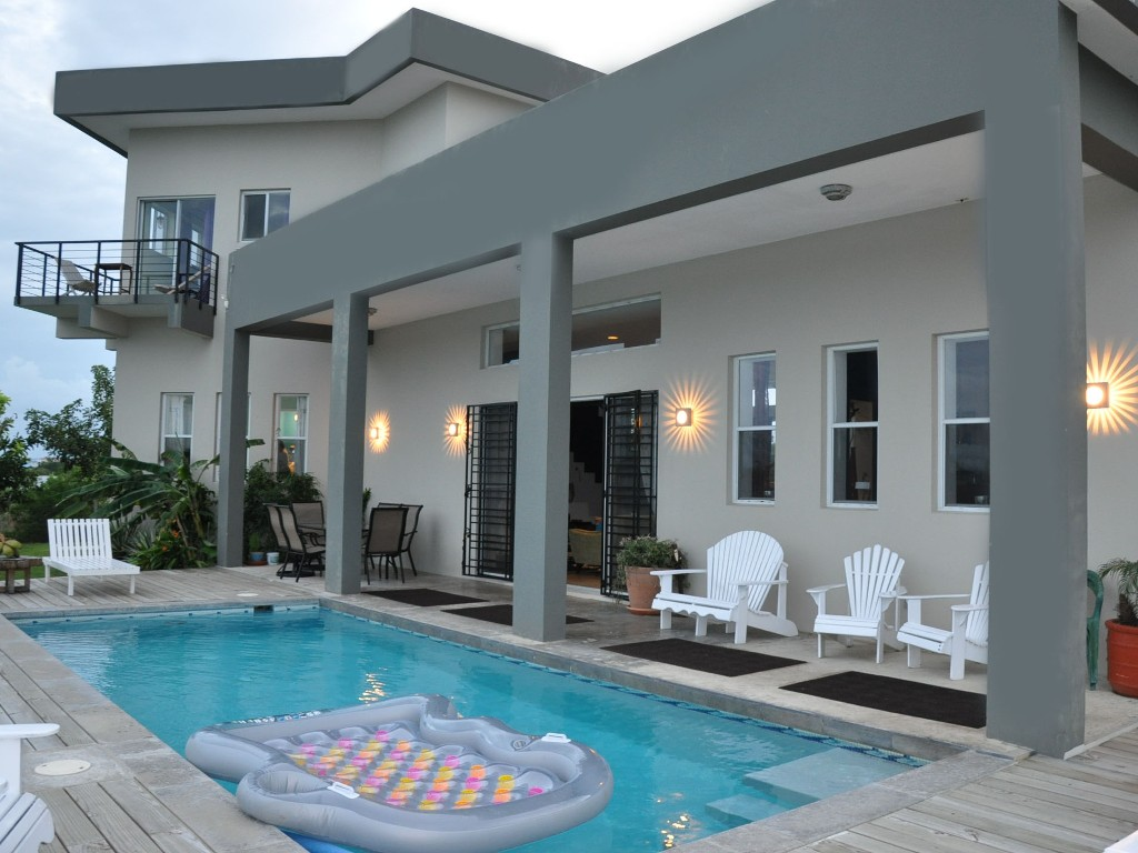 Additional photo for property listing at Oceanfront Casa Del Mar Ladyville, Belize Belice