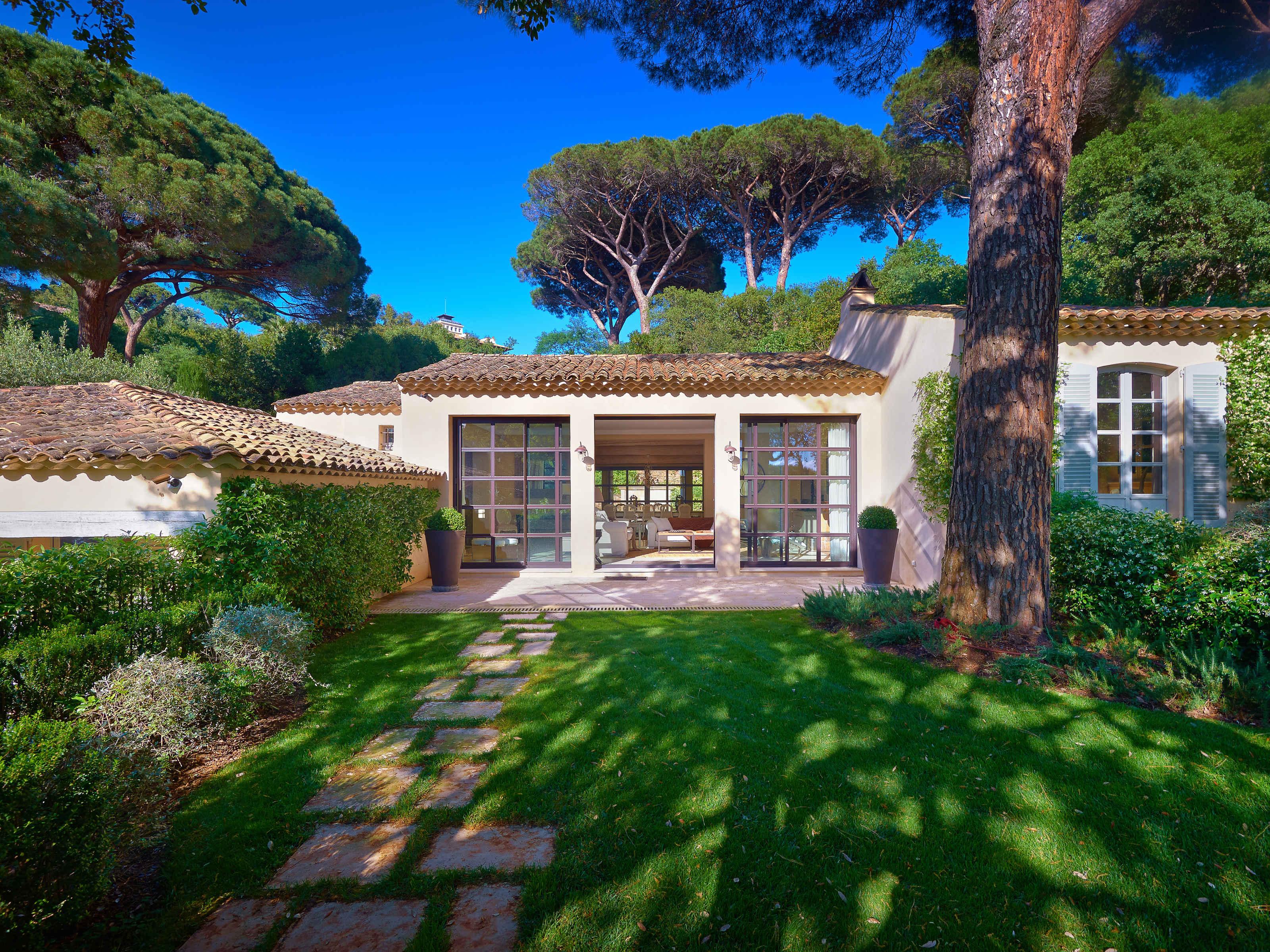 Single Family Home for Sale at Superb Property in the Parcs of Saint Tropez Saint Tropez, Provence-Alpes-Cote D'Azur 83990 France
