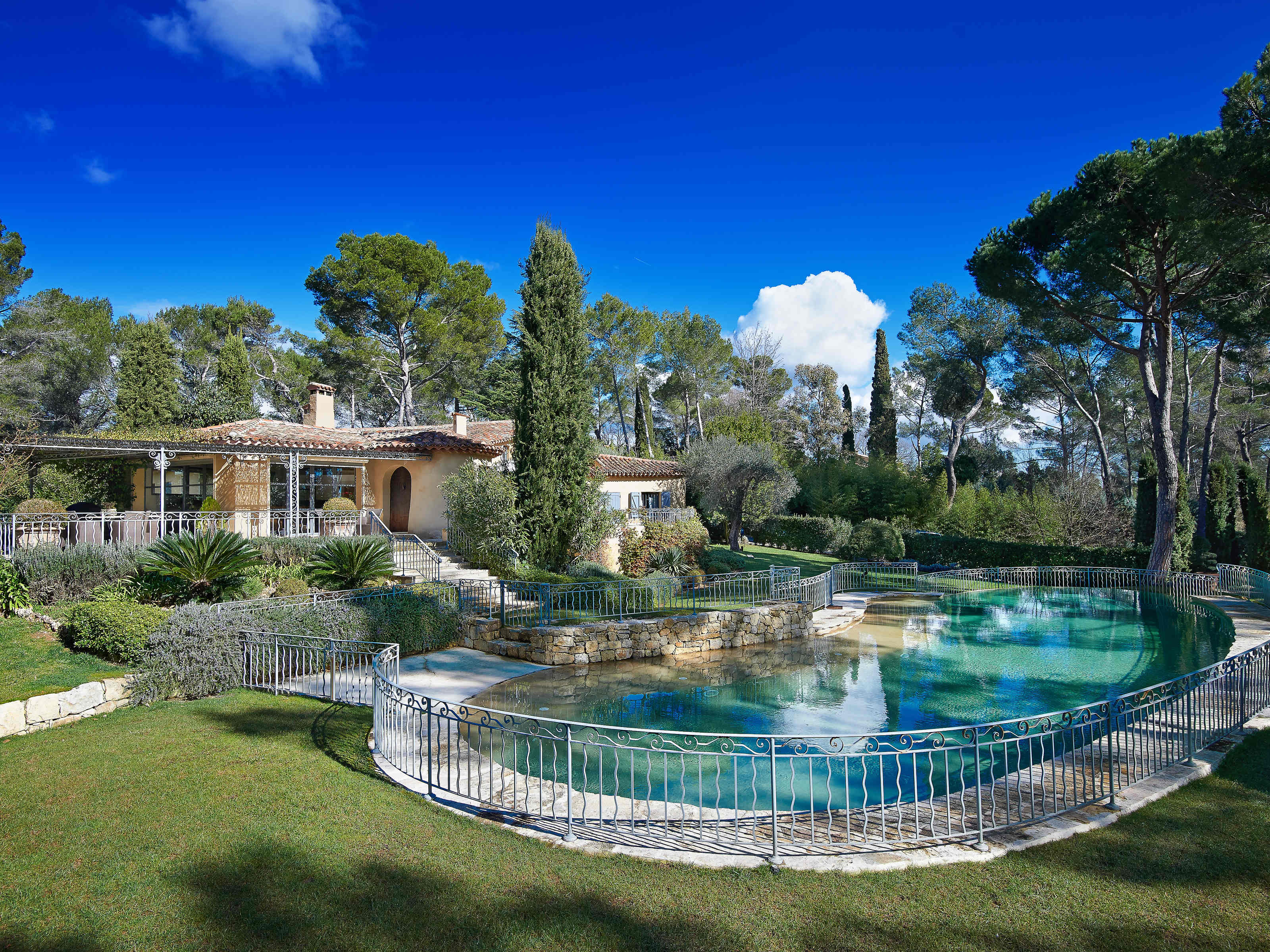 Single Family Home for Sale at Mougins - Exclusive area, stunning property for sale Mougins, Provence-Alpes-Cote D'Azur 06250 France