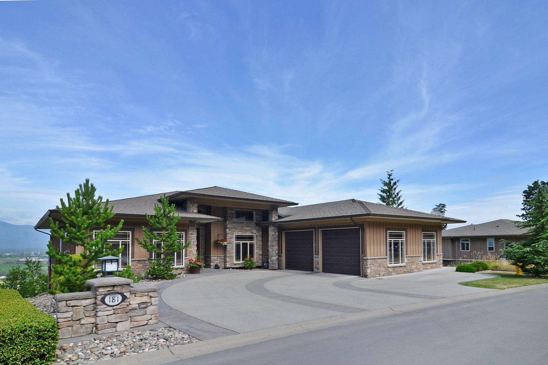 独户住宅 为 销售 在 The Falls Masterpiece 181 - 51075 Falls Cr. Chilliwack, 不列颠哥伦比亚省 V4Z1K7 加拿大