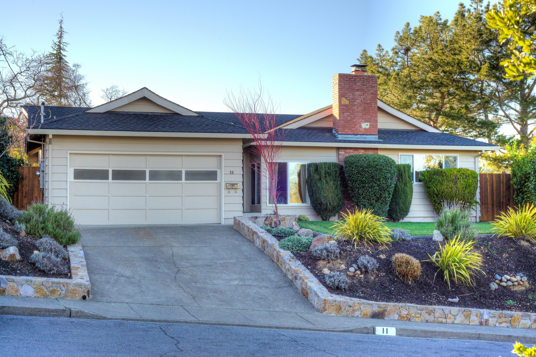 Casa Unifamiliar por un Venta en Hillside Views in Novato 11 Kaden Court Novato, California 94947 Estados Unidos