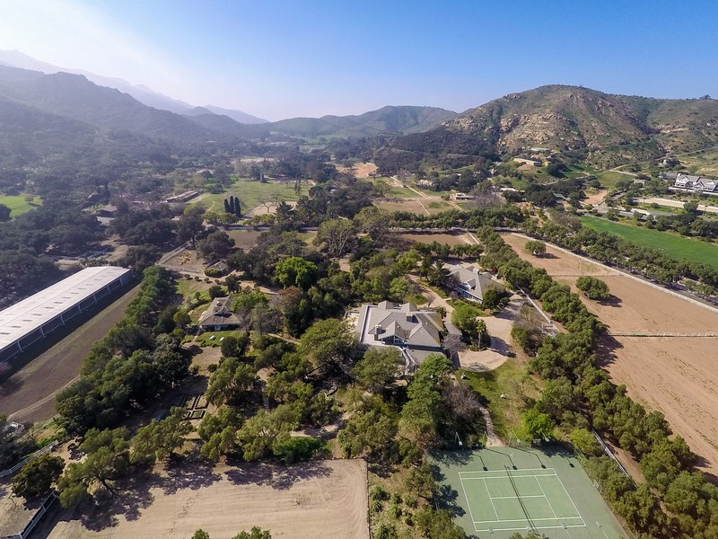Single Family Home for Sale at Hidden Valley Road 1644 Hidden Valley Road Thousand Oaks, California 91361 United States