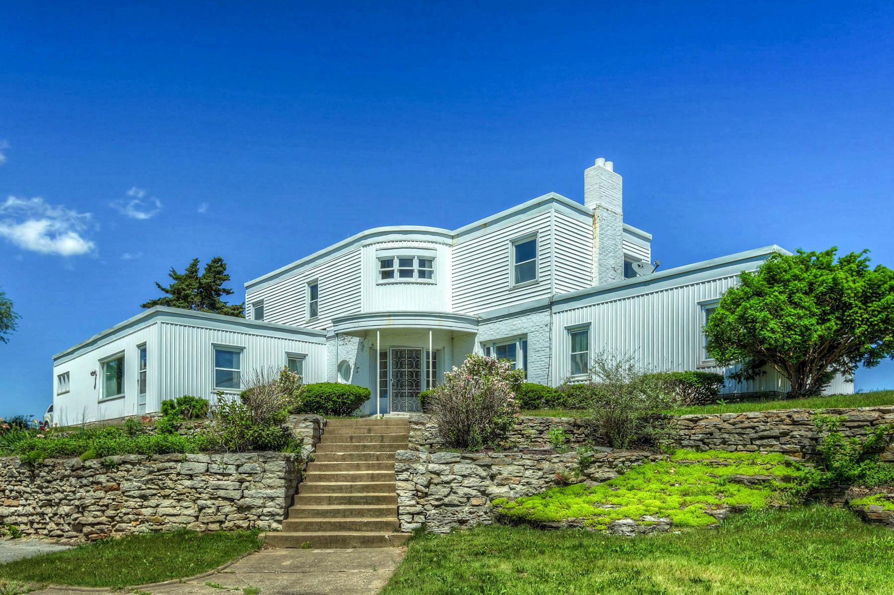 Nhà ở một gia đình vì Bán tại North 3rd 1000 North 3rd Louisiana, Missouri 63353 Hoa Kỳ