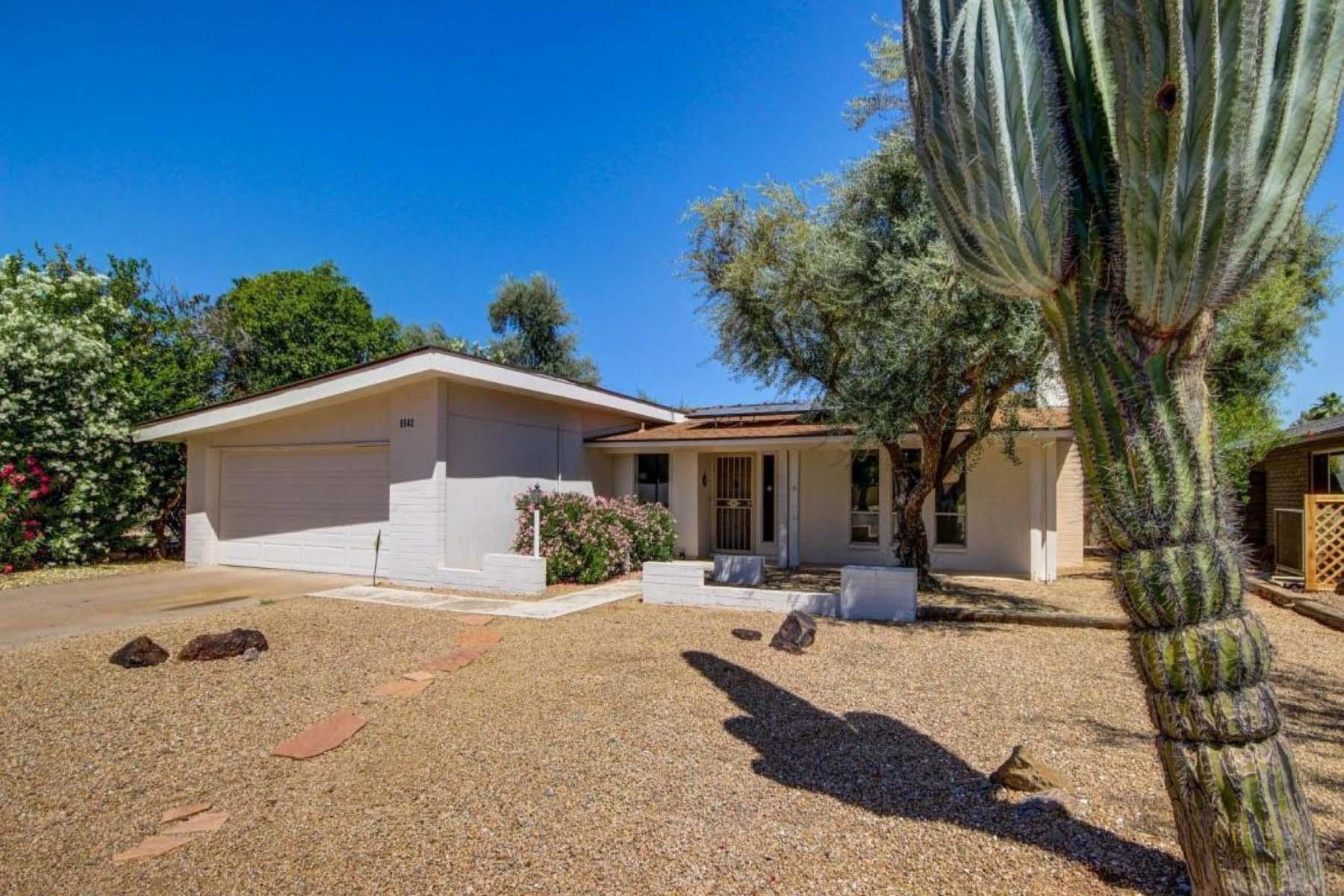 獨棟家庭住宅 為 出售 在 Charming home In the heart of McCormick Ranch. 8542 E VIA DE LA ESCUELA Scottsdale, 亞利桑那州 85258 美國