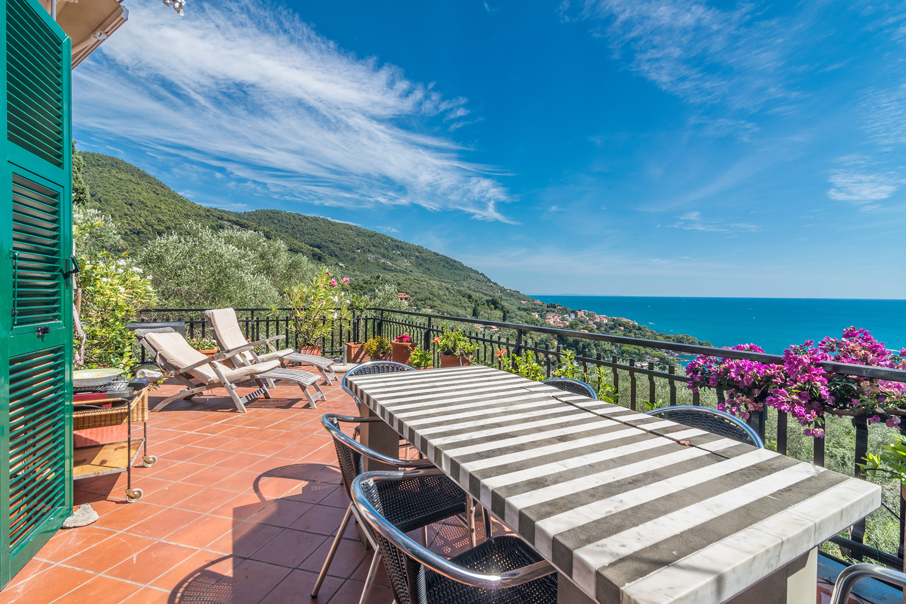 Additional photo for property listing at Exclusive penthouse with breath-taking view Località Fiascherino Fiascherino, La Spezia 19032 Italy