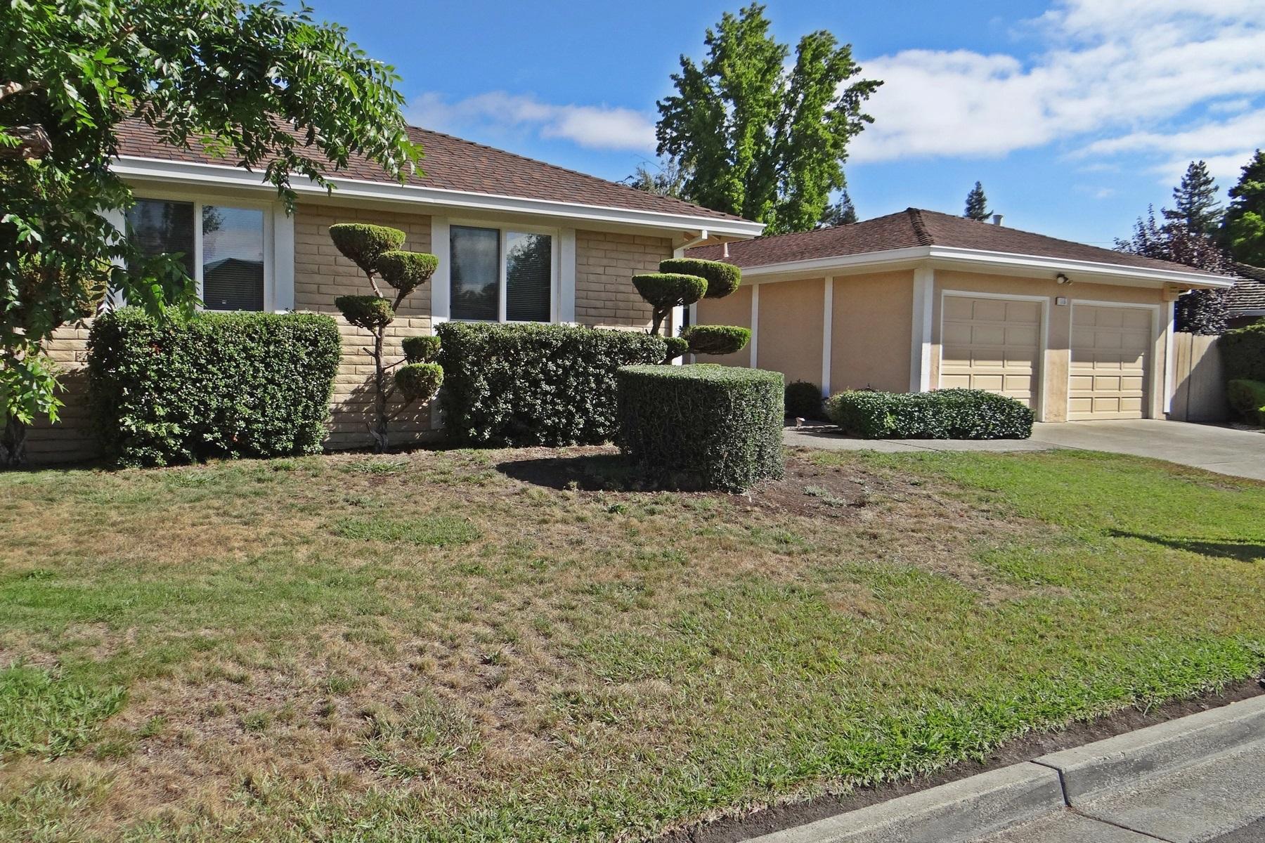 Villa per Vendita alle ore Great Updated Traditional 115 Saint James Court Danville, California 94526 Stati Uniti