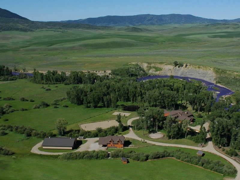Granjas / Hacienda / Platanción por un Venta en Elk River Ranch 25565 RCR 54 Steamboat Springs, Colorado 80487 Estados Unidos