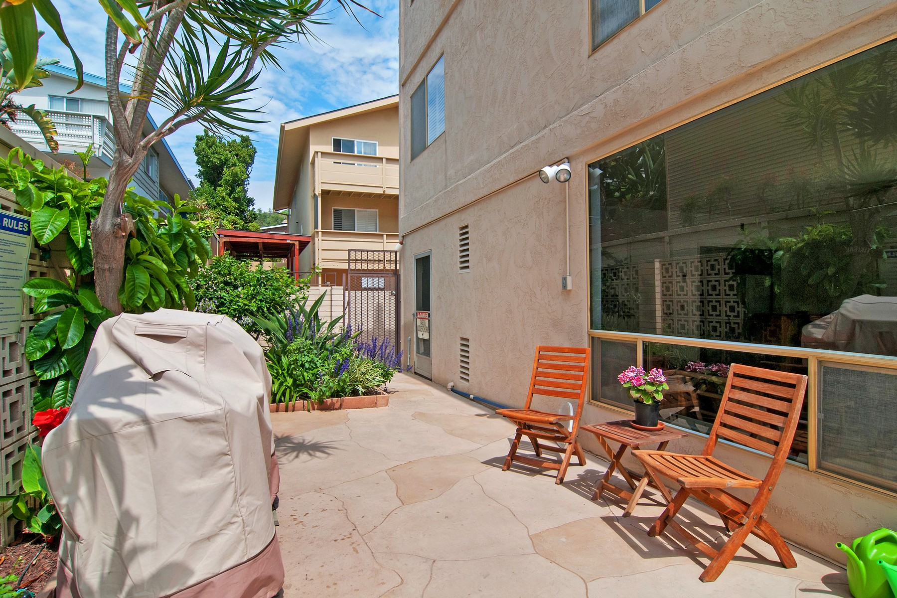 Additional photo for property listing at 390 San Antonio Avenue 390 San Antonio Avenue 15 San Diego, Californie 92106 États-Unis
