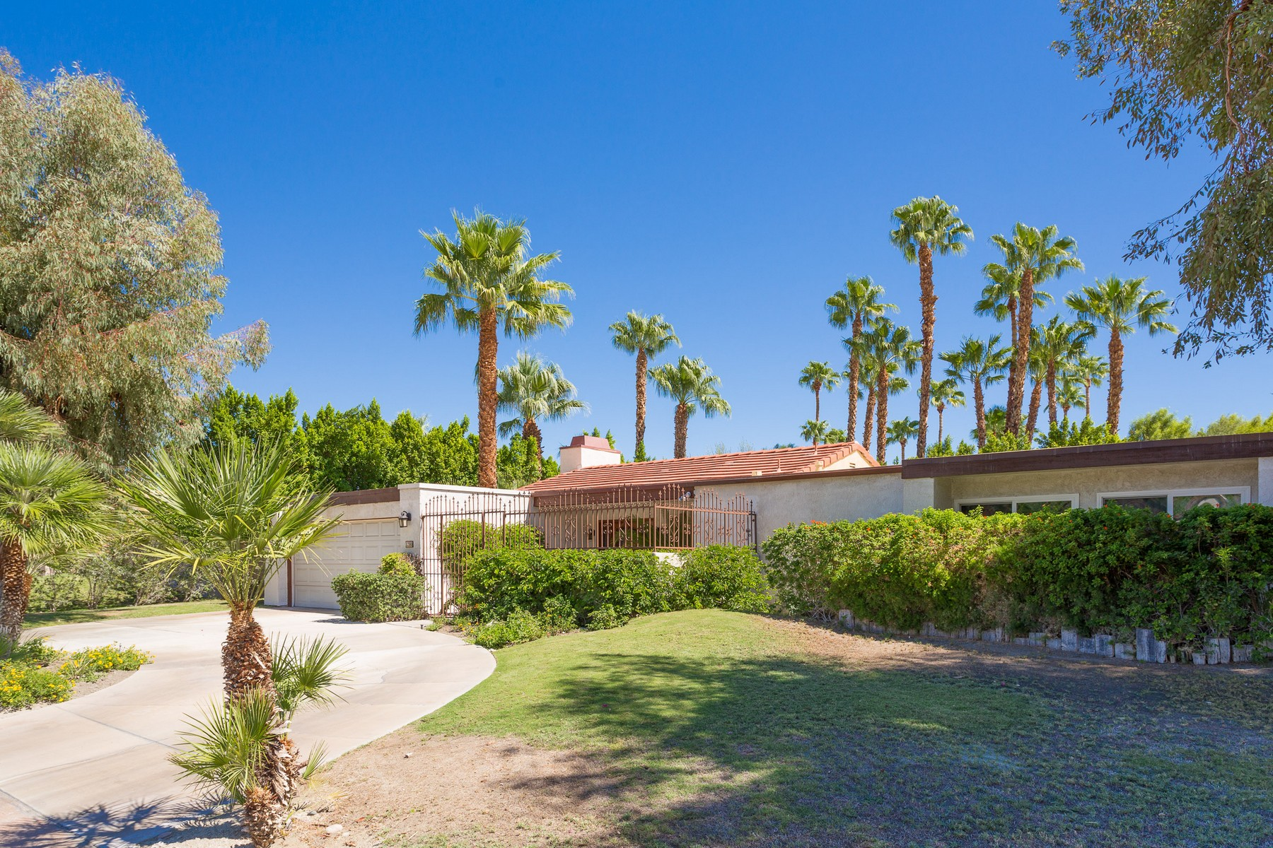 Single Family Home for Sale at 1200 North Avenida Caballeros Palm Springs, California 92262 United States
