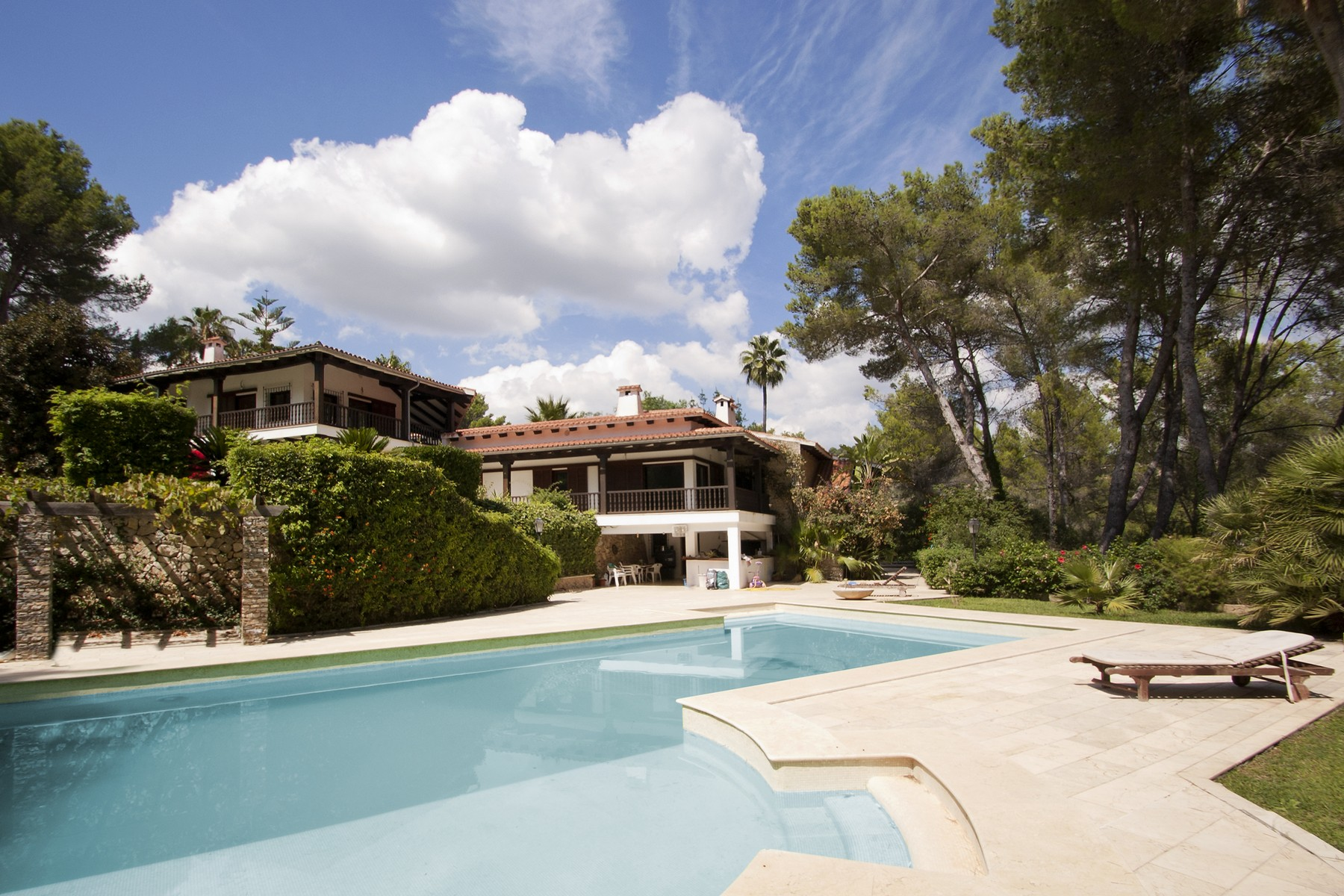 Multi-Family Home for Sale at Frontline golf Villa to be refurbished in Son Vida Palma Son Vida, Mallorca, 07181 Spain