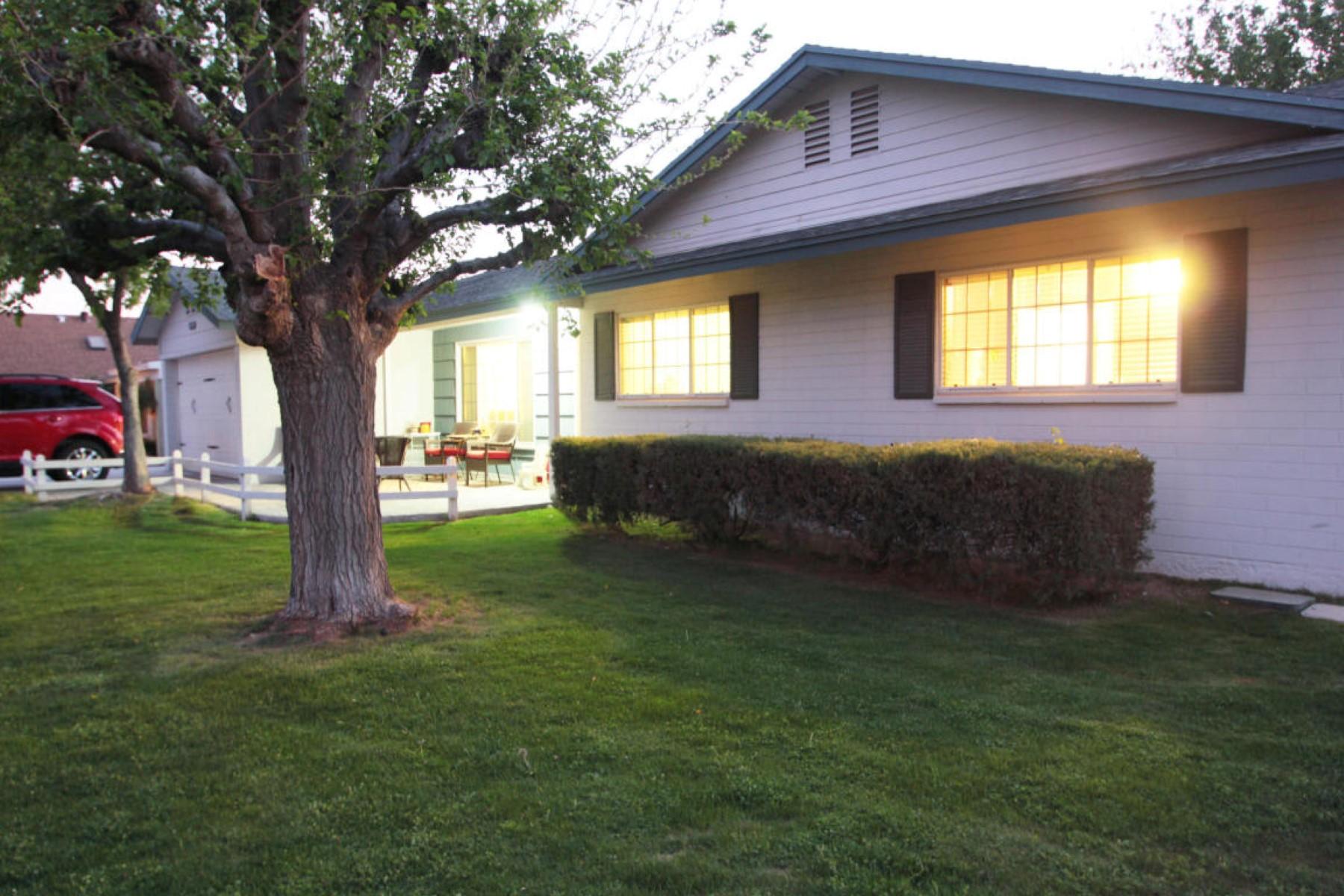 一戸建て のために 売買 アット Charming home in Kadhina Estates 3850 N 50th St Phoenix, アリゾナ, 85018 アメリカ合衆国