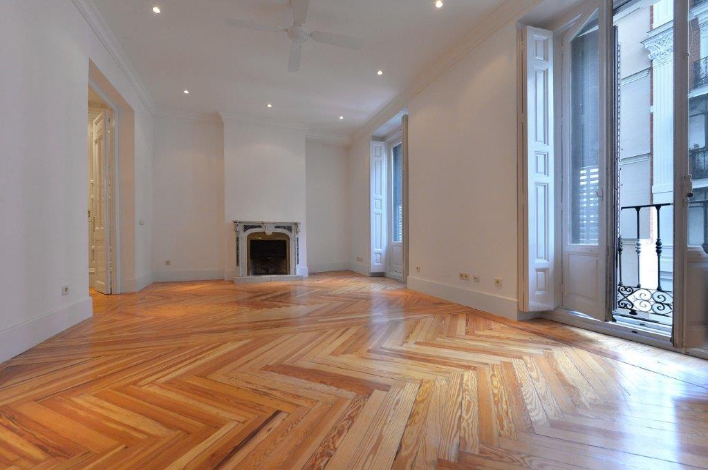 Apartamento por un Venta en Apartamento en Justicia Madrid, Madrid, España