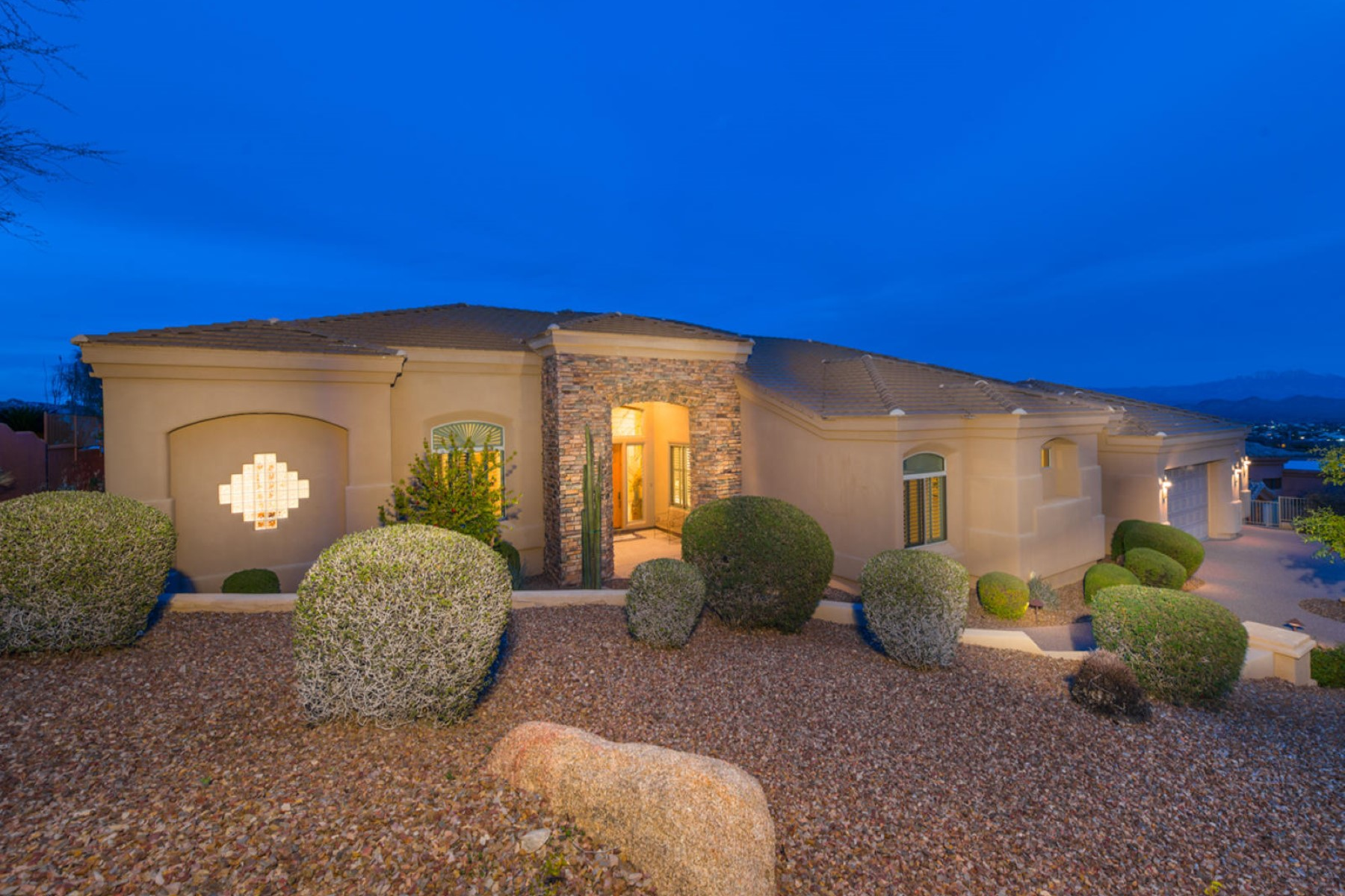 Single Family Home for Sale at Meticulously maintained single level stunning estate 15354 E Sundown DR Fountain Hills, Arizona, 85268 United States