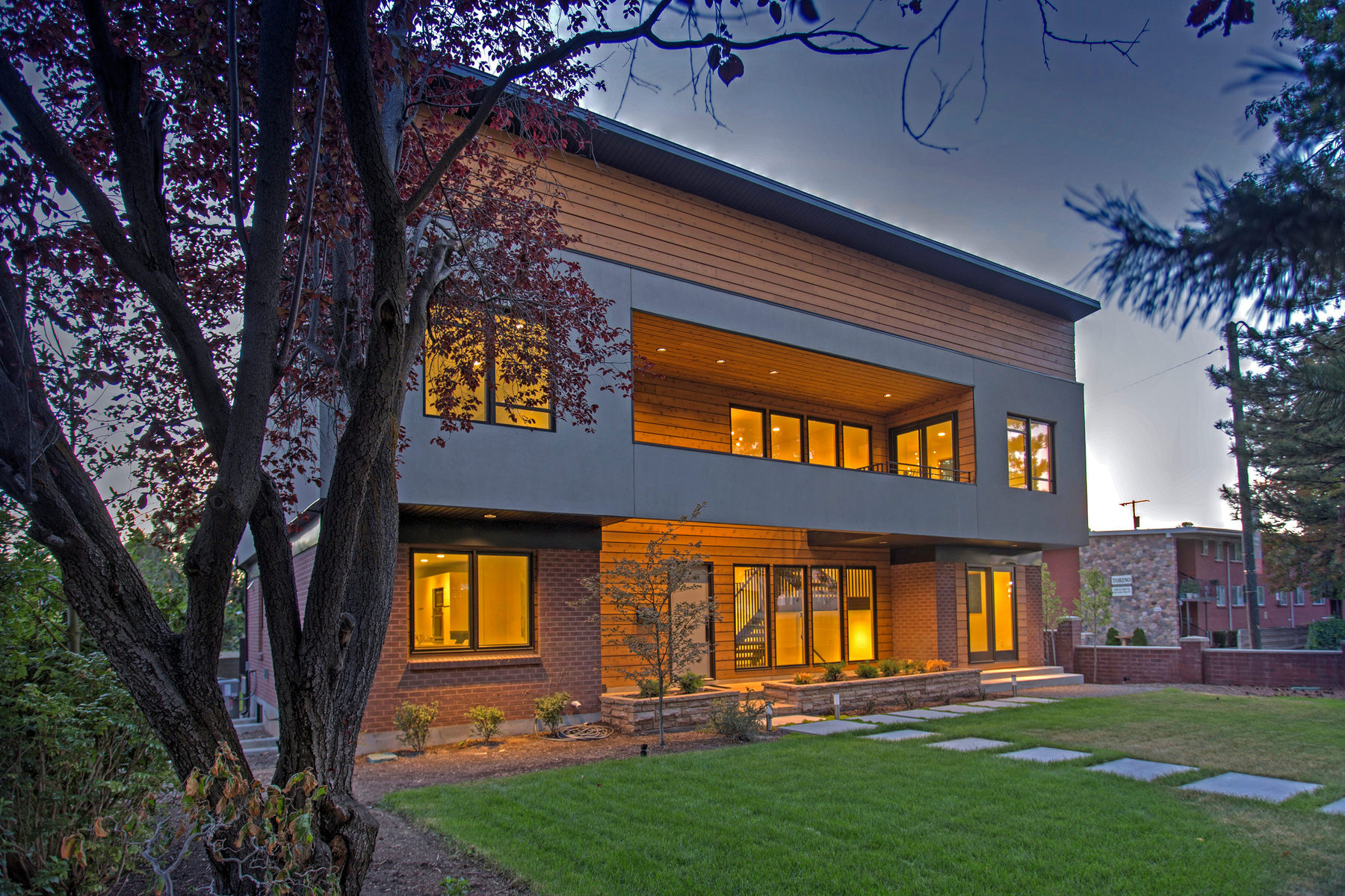 Nhà ở một gia đình vì Bán tại Modern Revival Berkeley Street Residence 2102 Berkeley St Salt Lake City, Utah 84109 Hoa Kỳ
