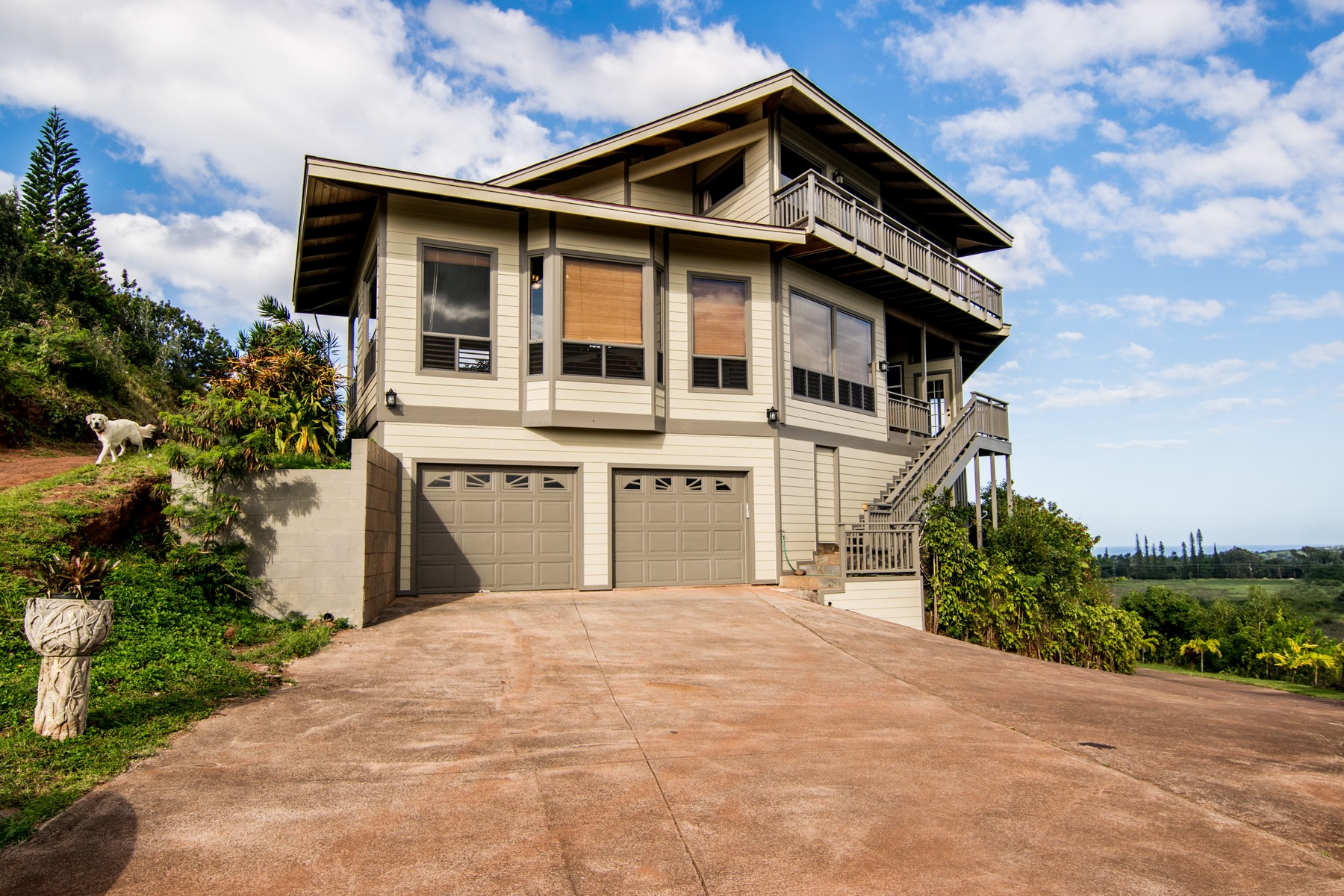 Property For Sale at Unbelievable Views in Haiku Hills!