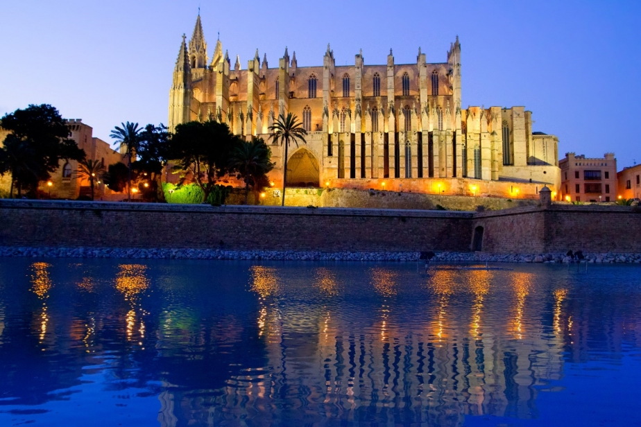 아파트 용 매매 에 Luxurious seafront apartments in Palma Palma, 말로카 07006 스페인