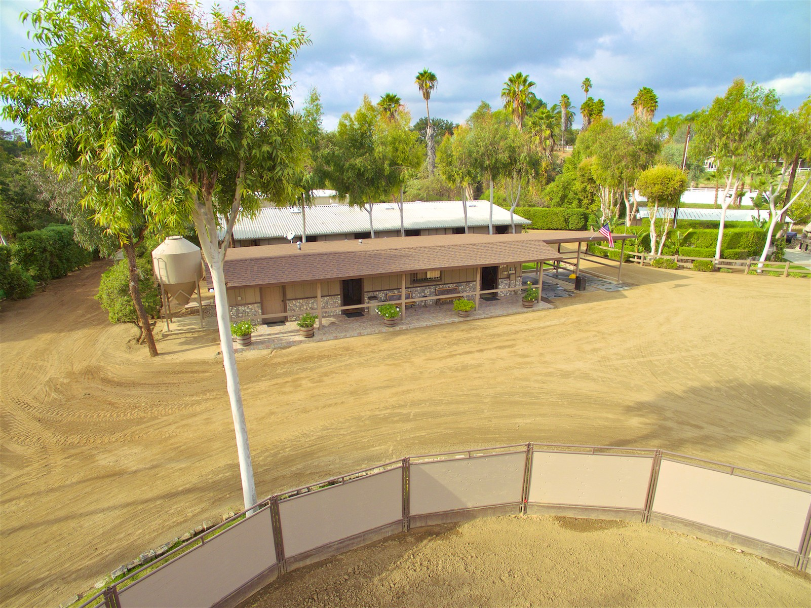 Additional photo for property listing at 1291 Summit Place  Escondido, California 92025 Estados Unidos
