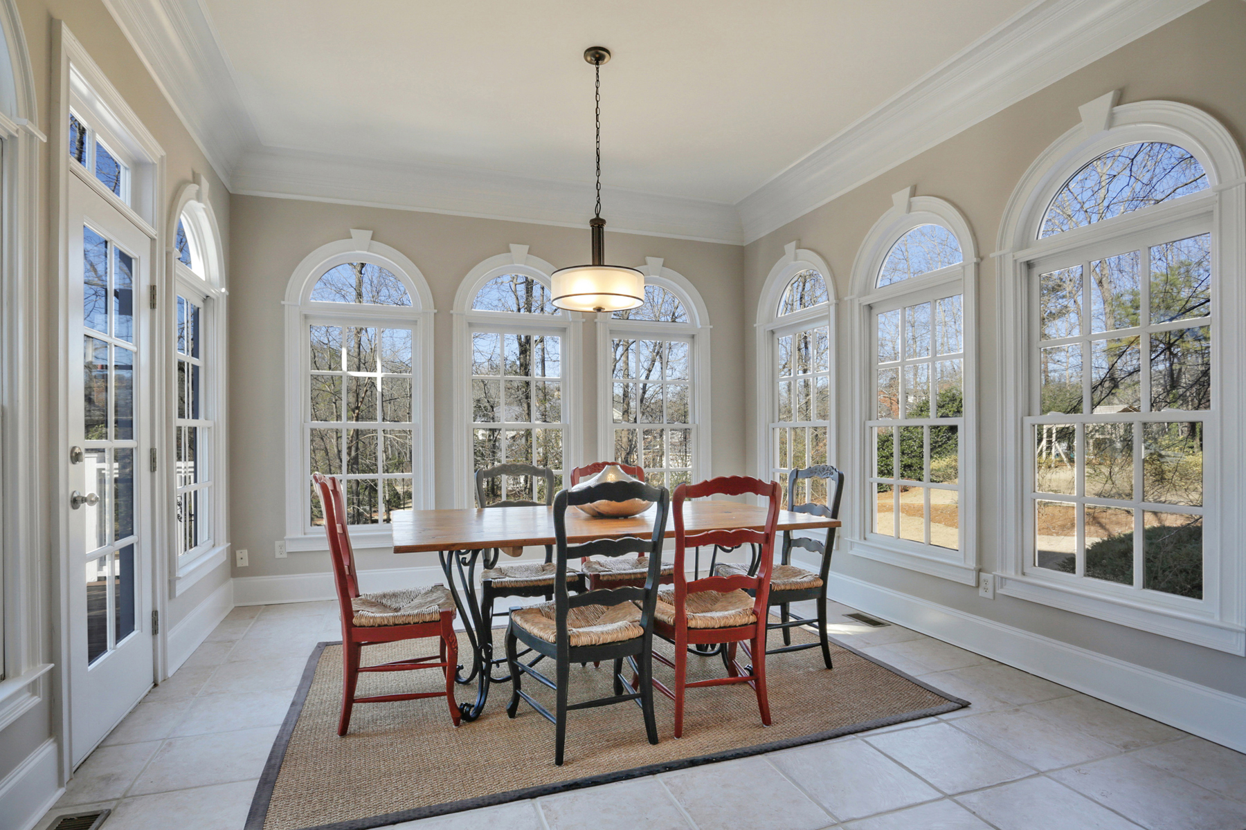 Additional photo for property listing at Cape Cod Home In Ellard 8111 Lawnview Alpharetta, Γεωργια 30022 Ηνωμενεσ Πολιτειεσ