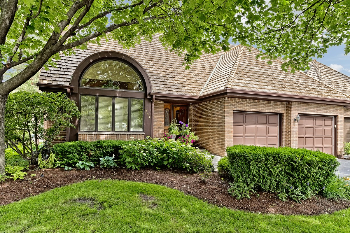 Casa Unifamiliar por un Venta en 711 Ruth Lake Ct Hinsdale, Illinois 60521 Estados Unidos
