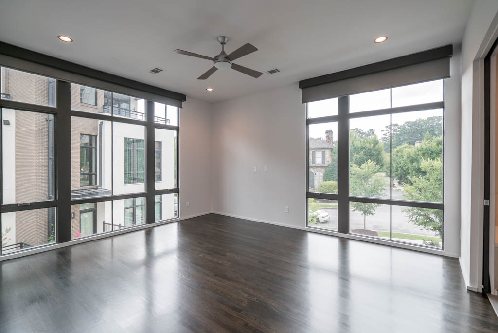 Additional photo for property listing at Sophisticated Townhome In The Heart Of Buckhead 721 Longleaf Drive NE Unit 11 Atlanta, 喬治亞州 30342 美國
