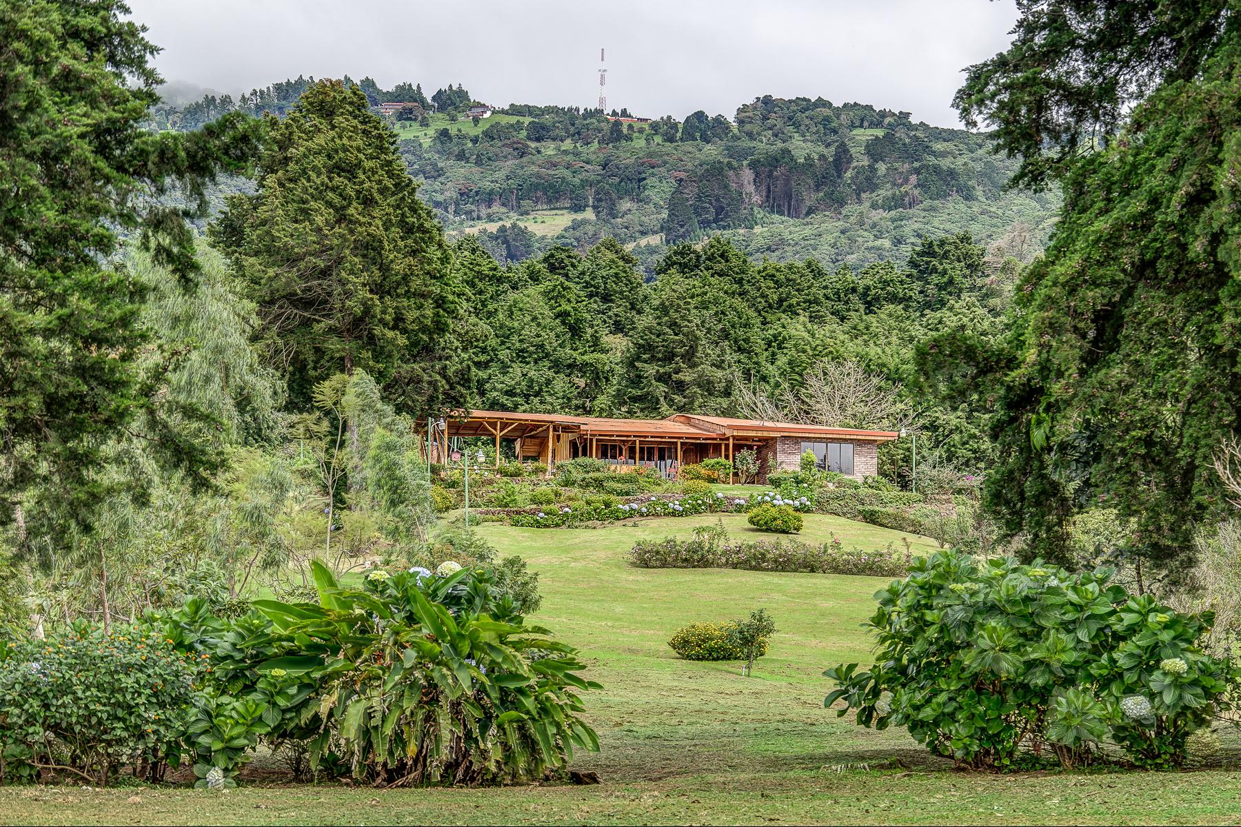 独户住宅 为 销售 在 Poas Volcano Cabin 波阿斯火山, 阿拉胡埃拉, 20802 哥斯达黎加