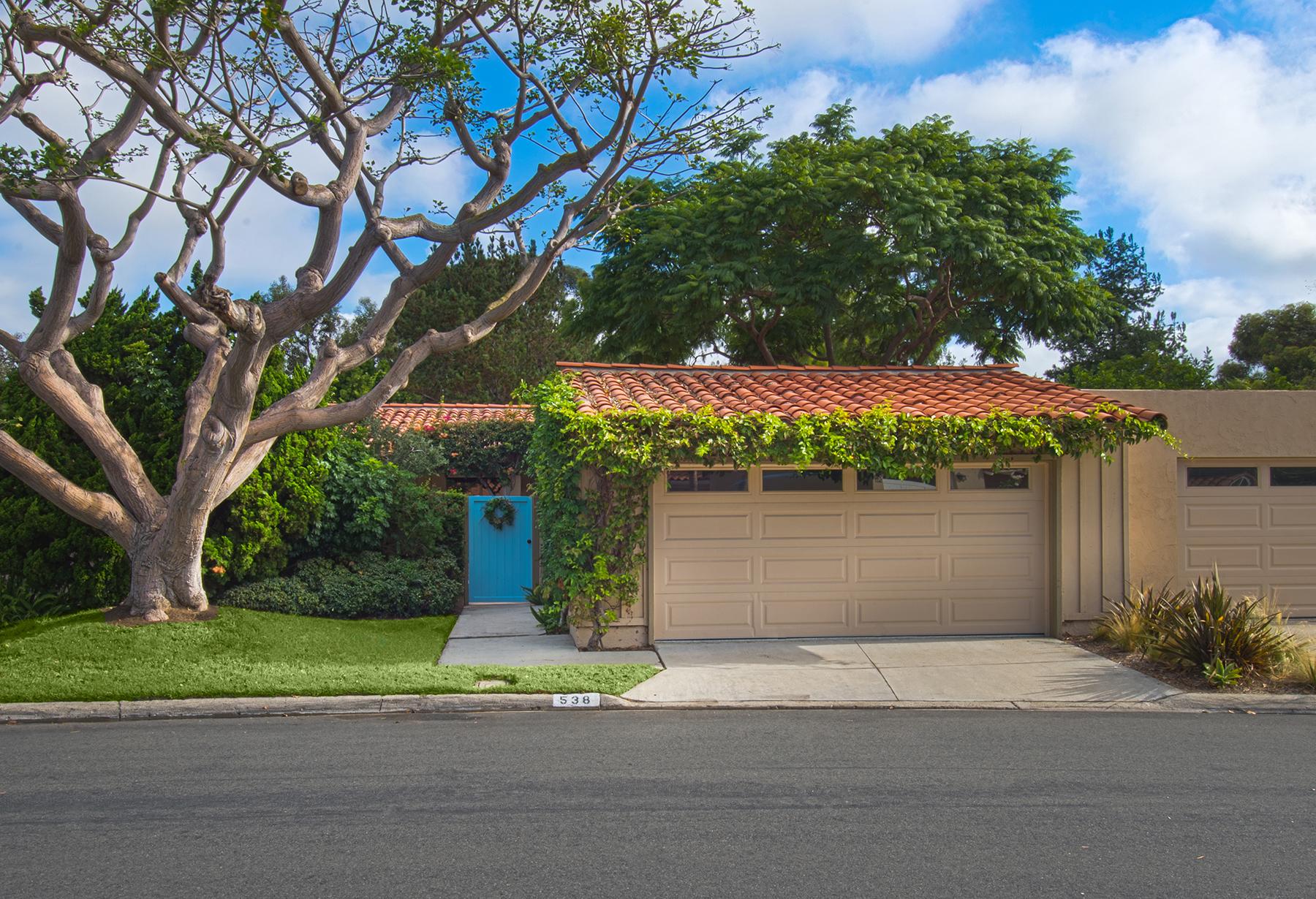 Maison unifamiliale pour l Vente à 538 Vista Grande Newport Beach, Californie 92660 États-Unis