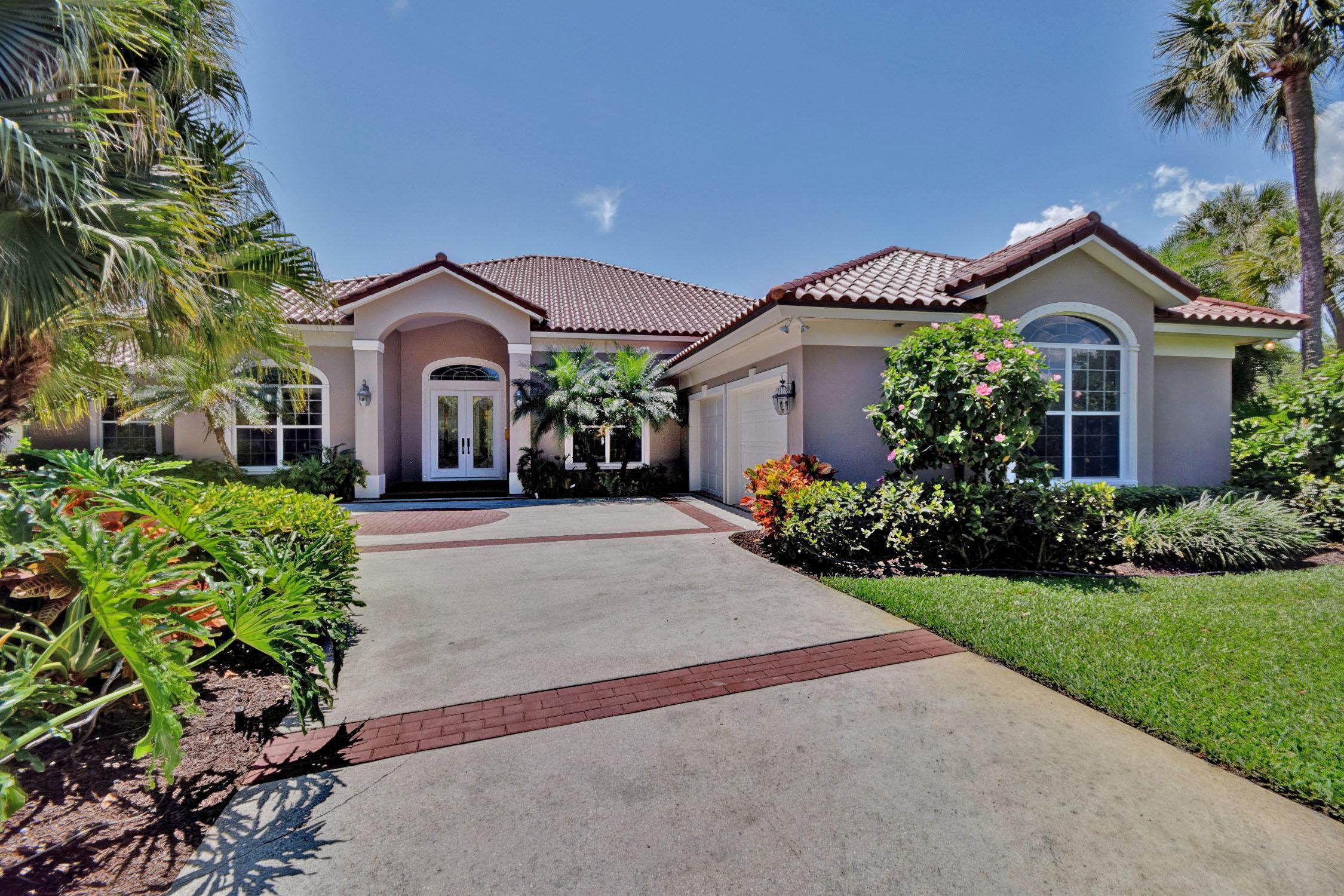 Casa Unifamiliar por un Venta en Bright & sunny pool home in Sandpointe 1805 Sandpointe Pl E Vero Beach, Florida 32963 Estados Unidos