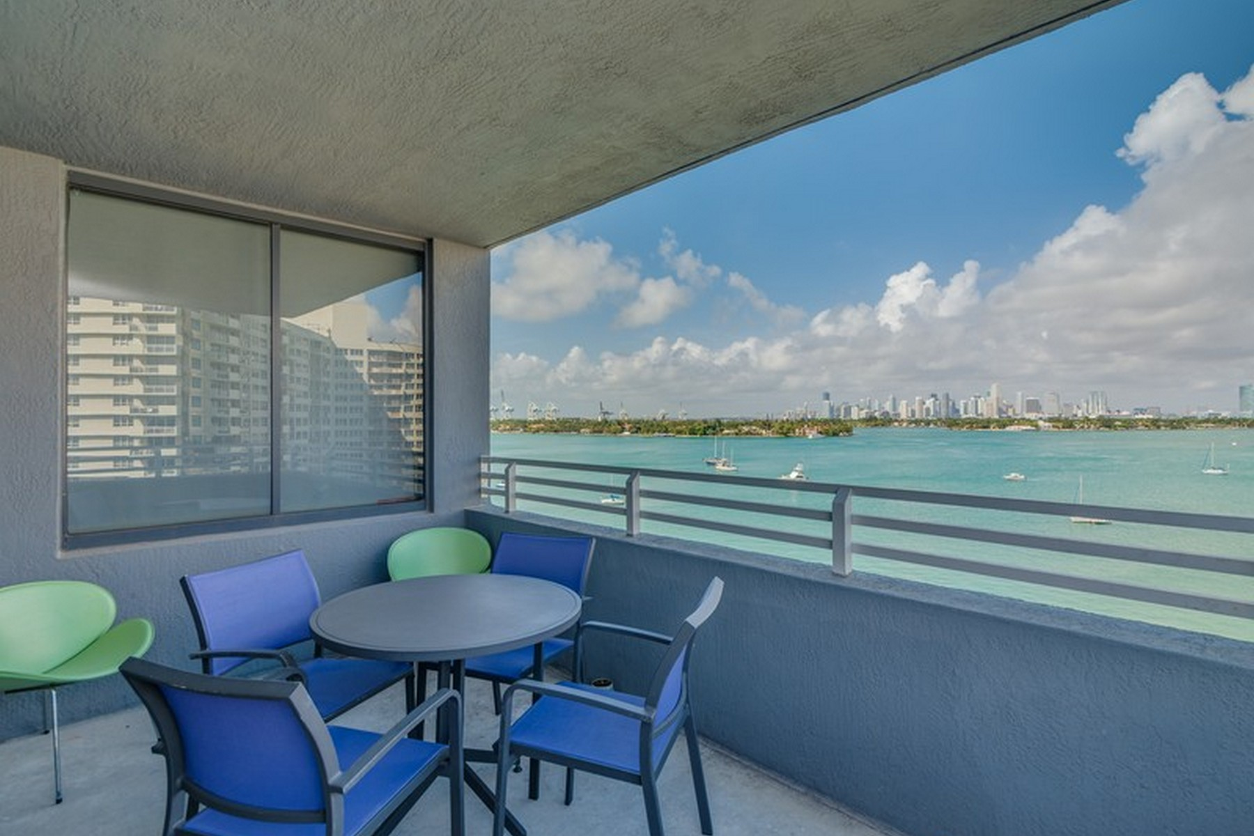 Condomínio para Venda às 1330 West Ave #801 Miami Beach, Florida 33139 Estados Unidos