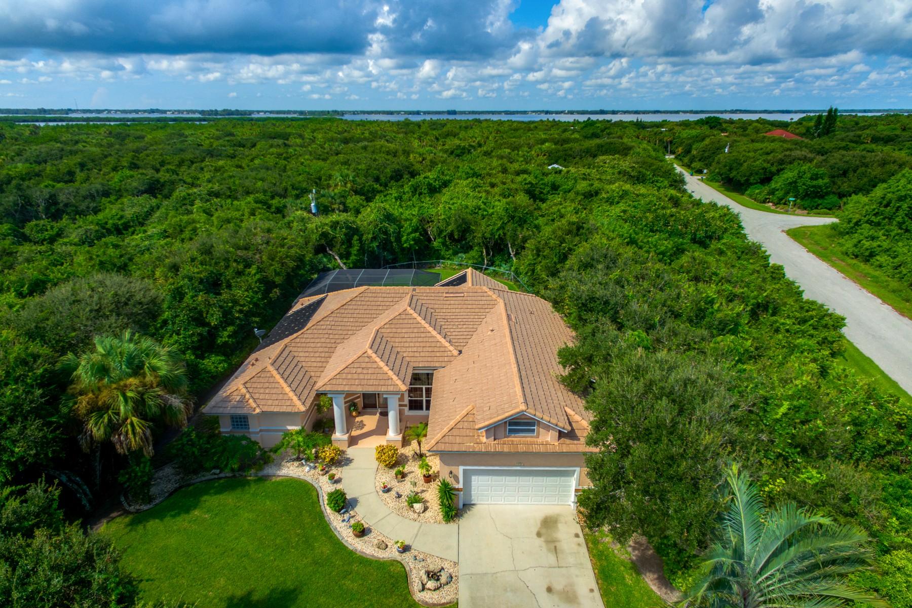 Casa para uma família para Venda às 115 Regatta Street Melbourne Beach, Florida, 32951 Estados Unidos