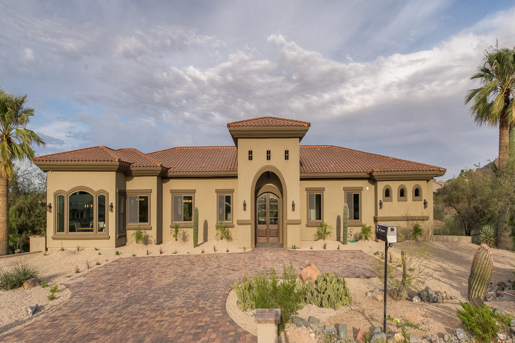 sales property at Beautiful new construction in Paradise Valley