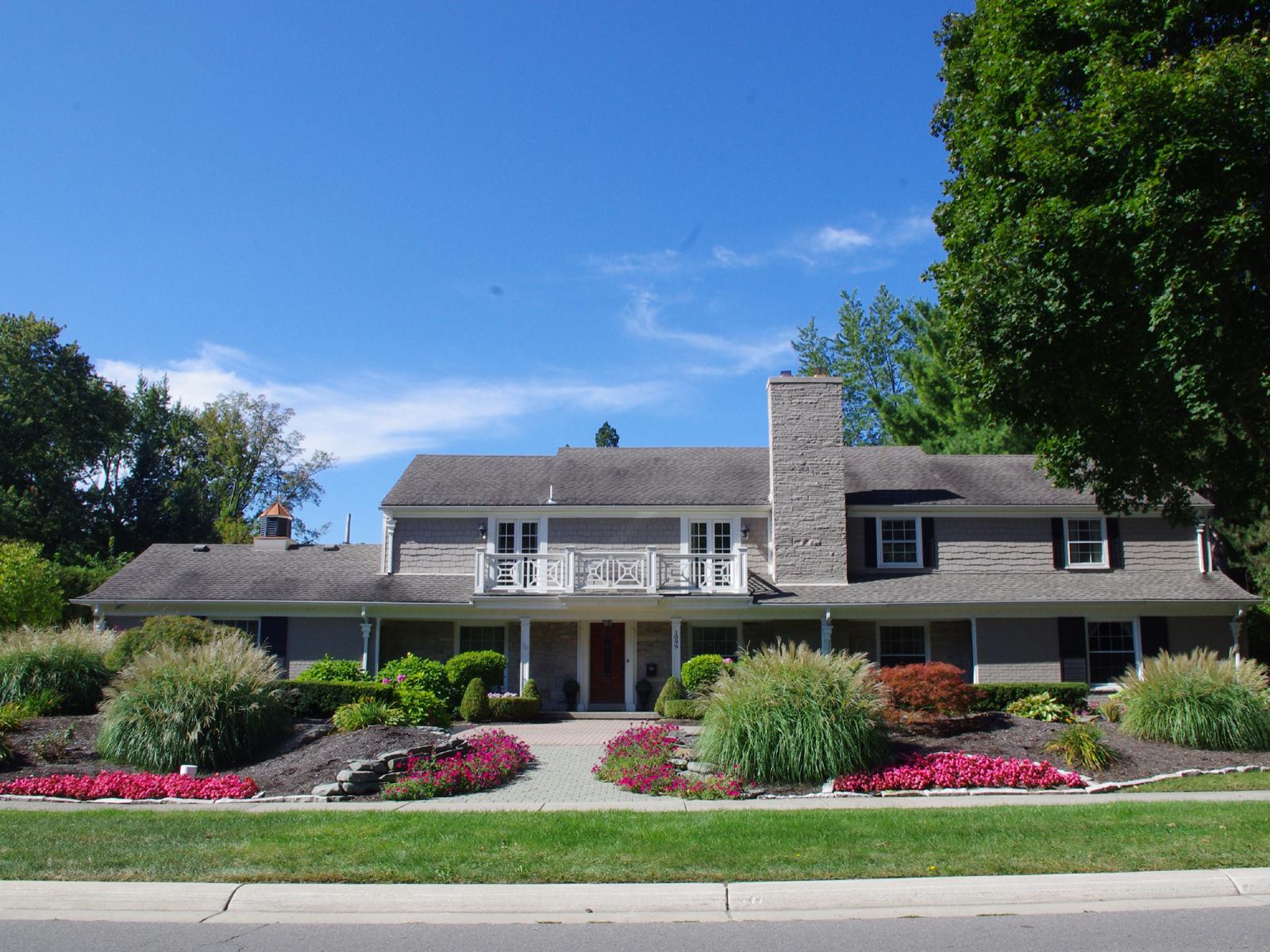 Nhà ở một gia đình vì Bán tại Bloomfield 1099 N Cranbrook Road Bloomfield, Michigan, 48301 Hoa Kỳ