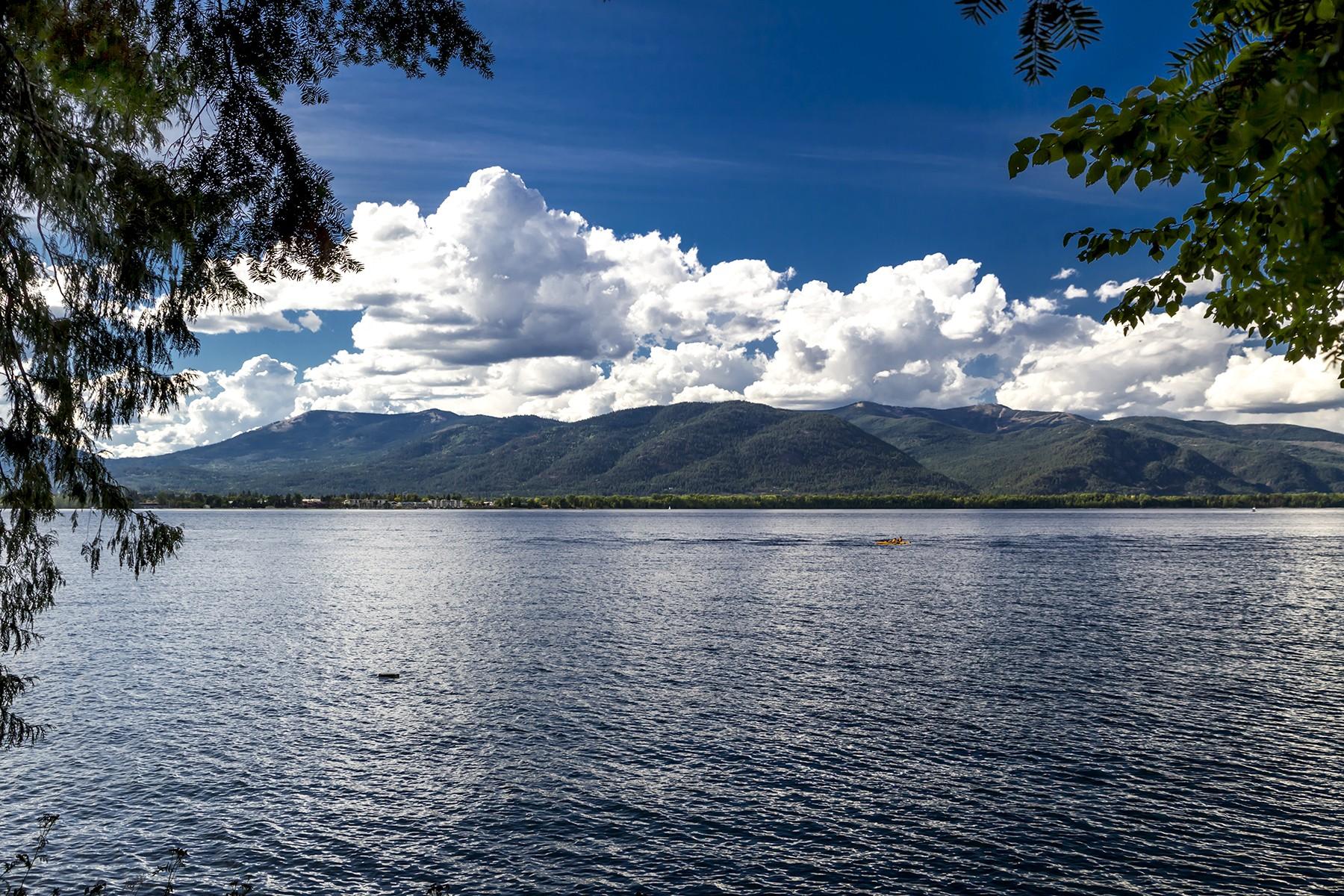 Land für Verkauf beim Enchanting Lake Pend Waterfront lot NNA Bottle Bay Road Sagle, Idaho, 83860 Vereinigte Staaten