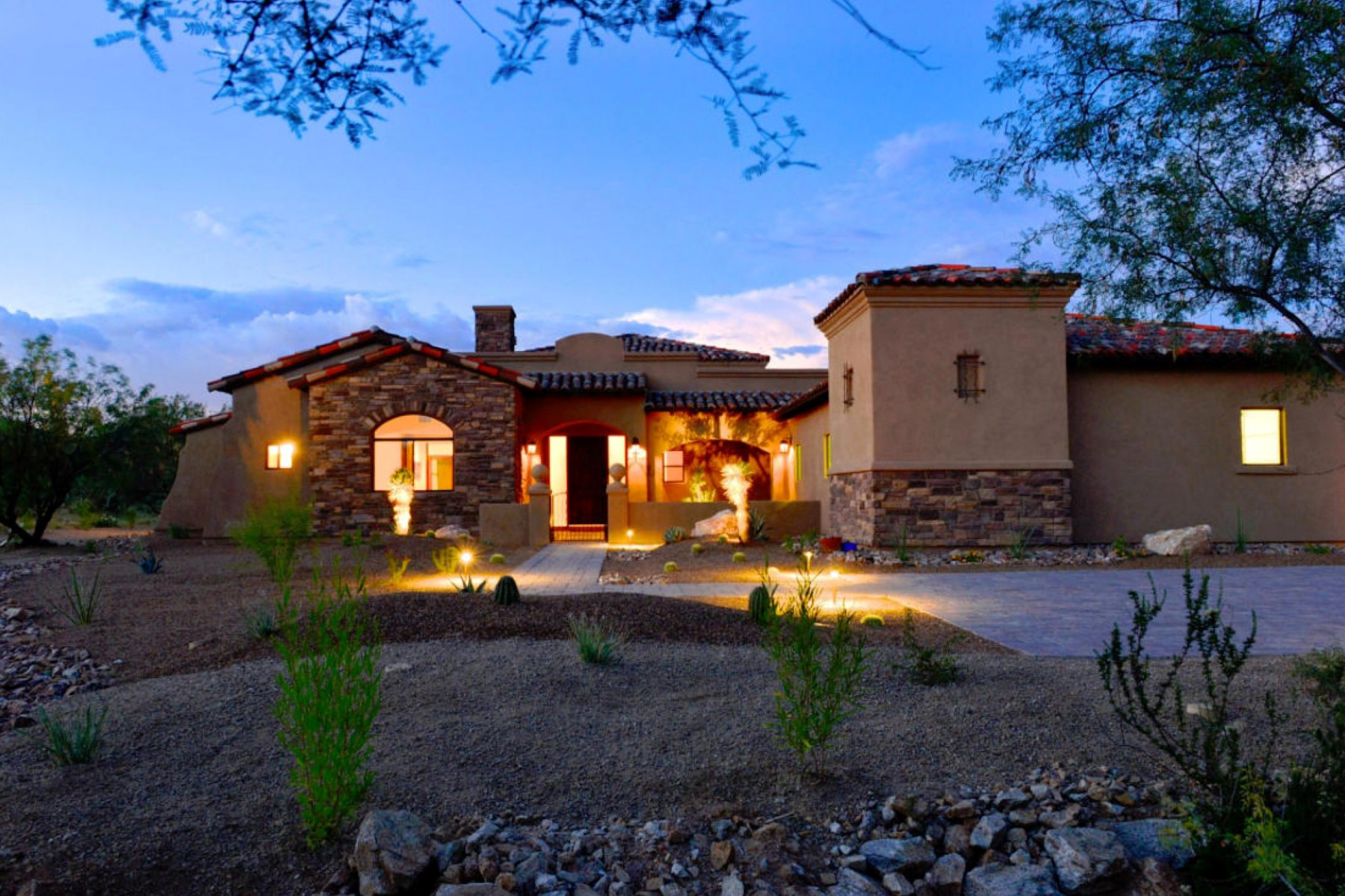 Maison unifamiliale pour l Vente à Captivating And Timeless Tuscan-Style Residence In Spectacular Stone Canyon 1272 W Stone Forest Place Oro Valley, Arizona 85755 États-Unis