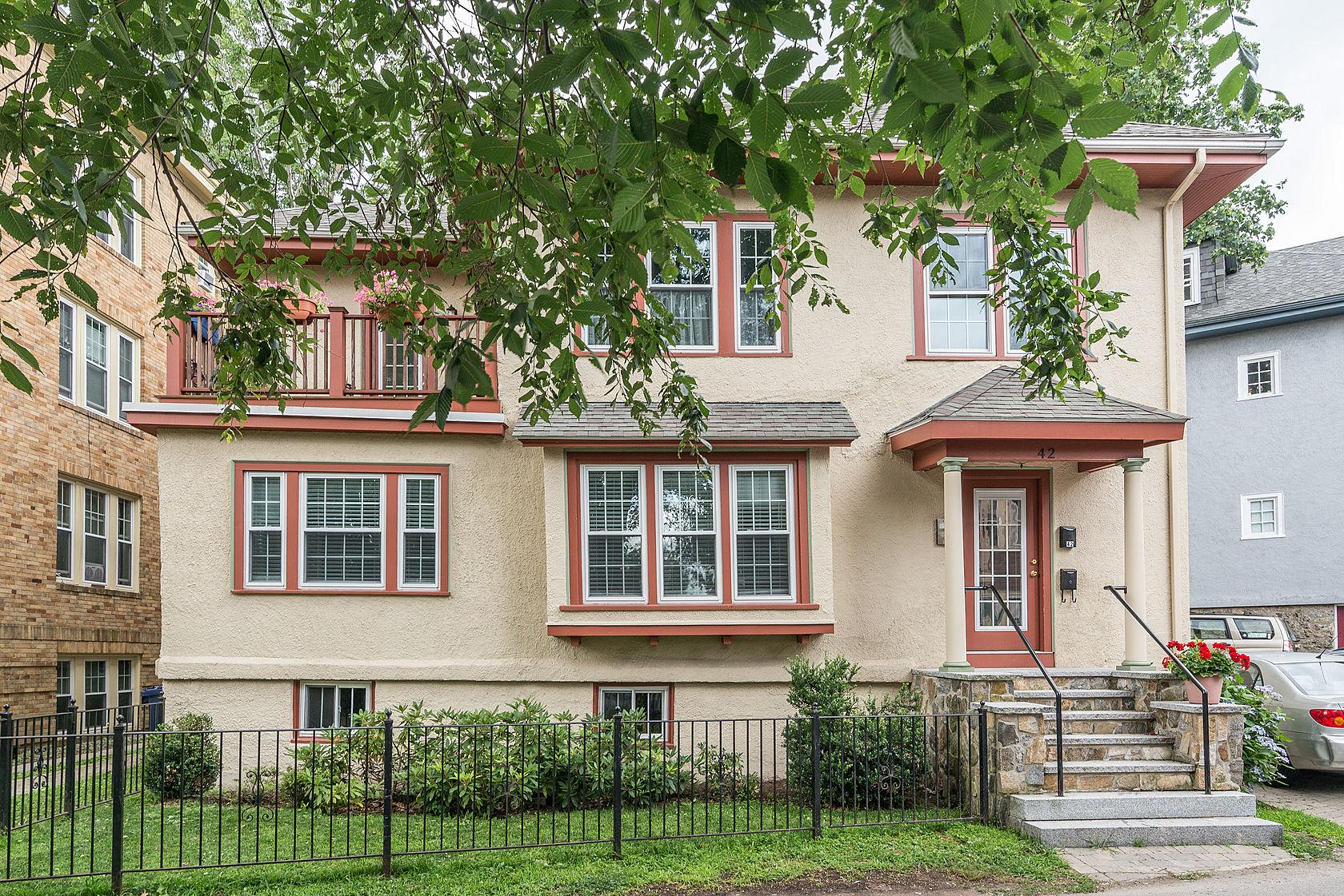 Eigentumswohnung für Verkauf beim 42 Robinwood Avenue #2 42 Robinwood Ave #2 Boston, Massachusetts 02130 Vereinigte Staaten