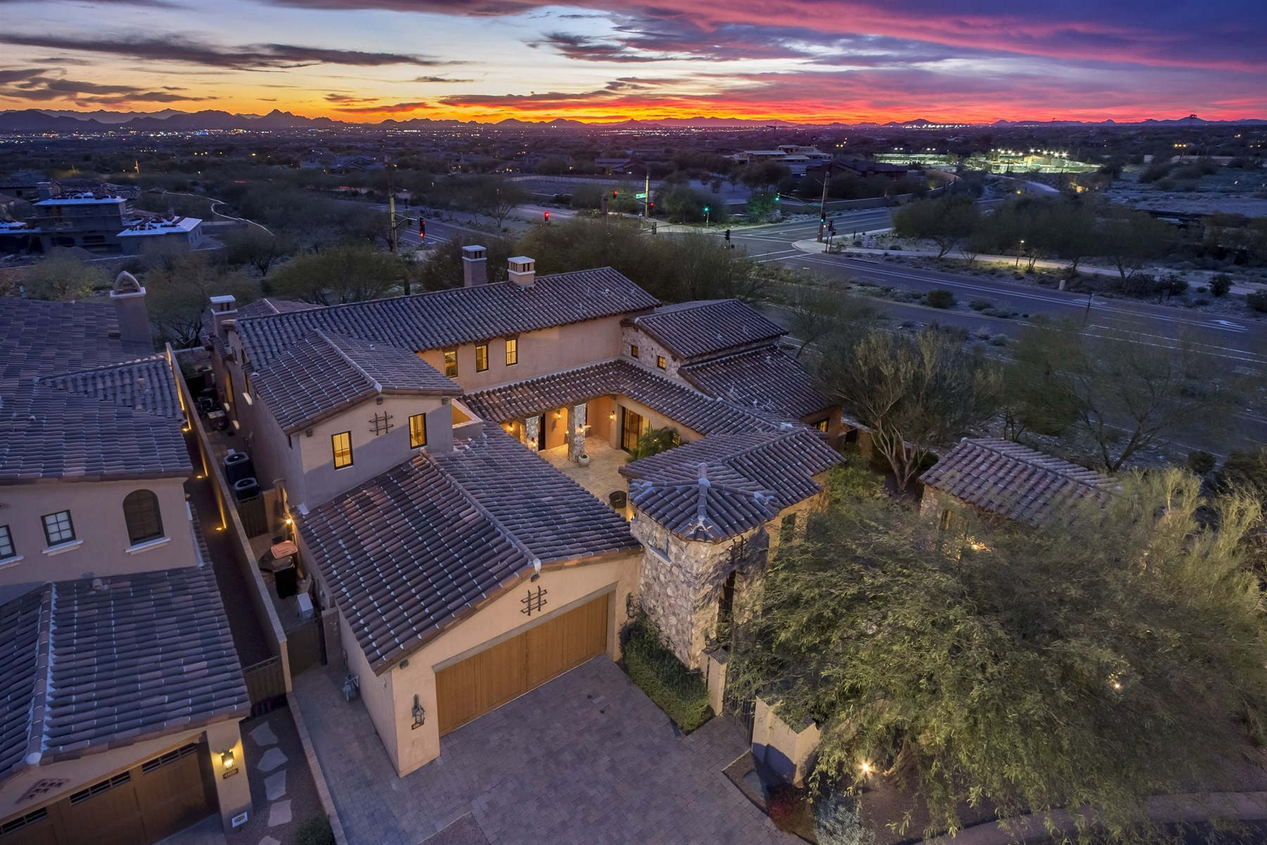 Single Family Home for Sale at Lovely retreat is an entertainer's delight 19468 N 101st St #3104 Scottsdale, Arizona, 85255 United States
