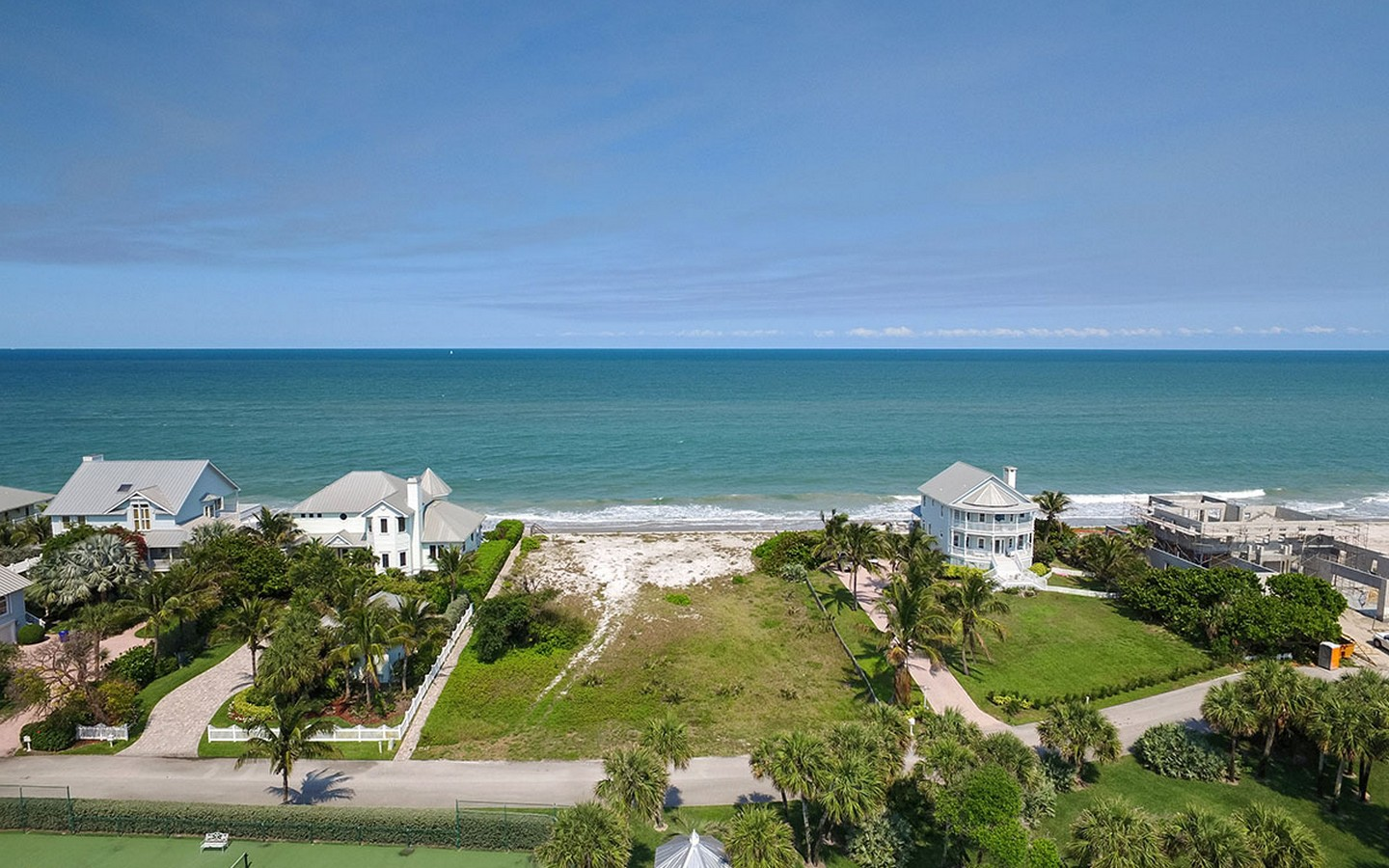 Terreno por un Venta en Magnificent Oceanfront Homesite in Sanderling 2240 Sanderling Lane Vero Beach, Florida, 32963 Estados Unidos
