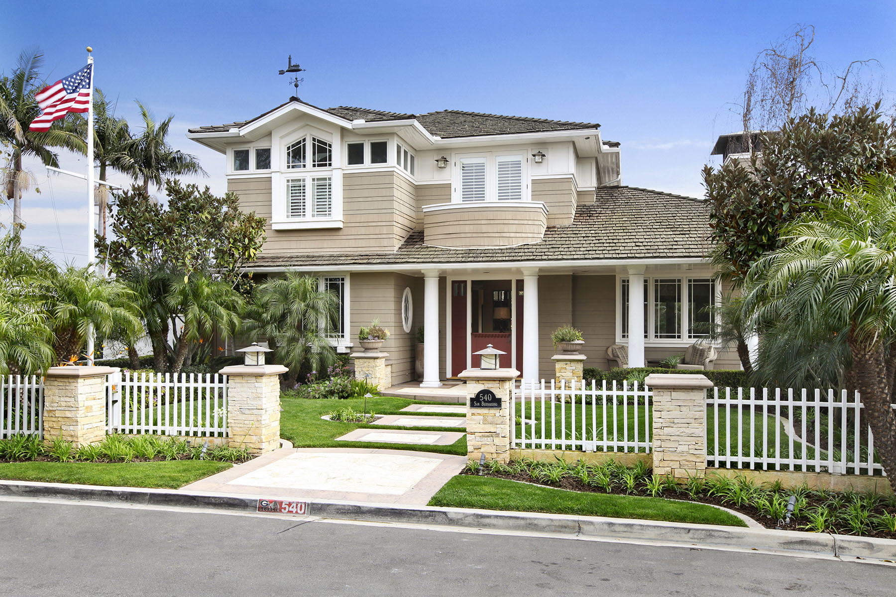 Vivienda unifamiliar por un Venta en 540 San Bernardino Ave Newport Beach, California 92663 Estados Unidos