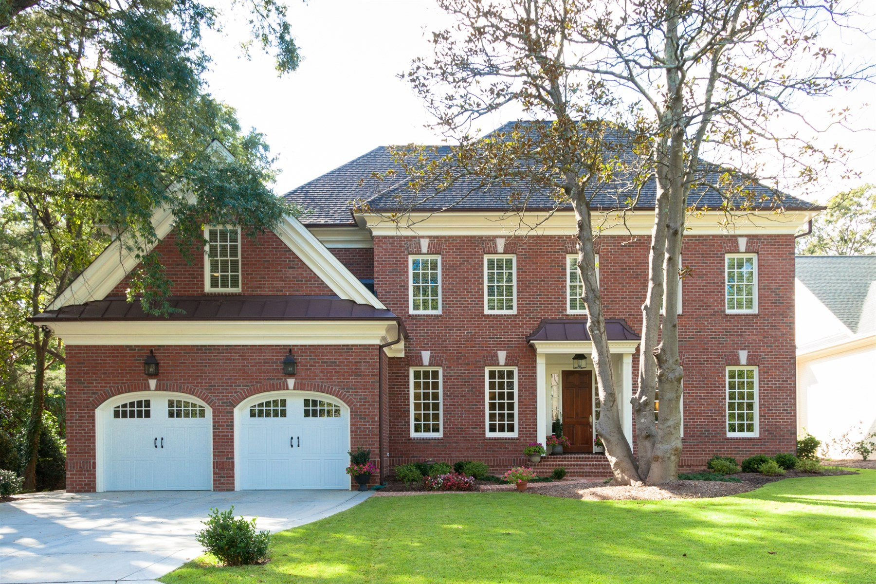 独户住宅 为 销售 在 Hayes Barton 1705 McDonald Lane 罗利, 北卡罗来纳州, 27608 美国在/周边: Cary, Chapel Hill, Durham